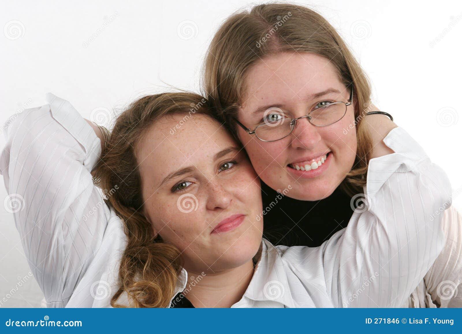 Секс красивая сестра и 16 фотография