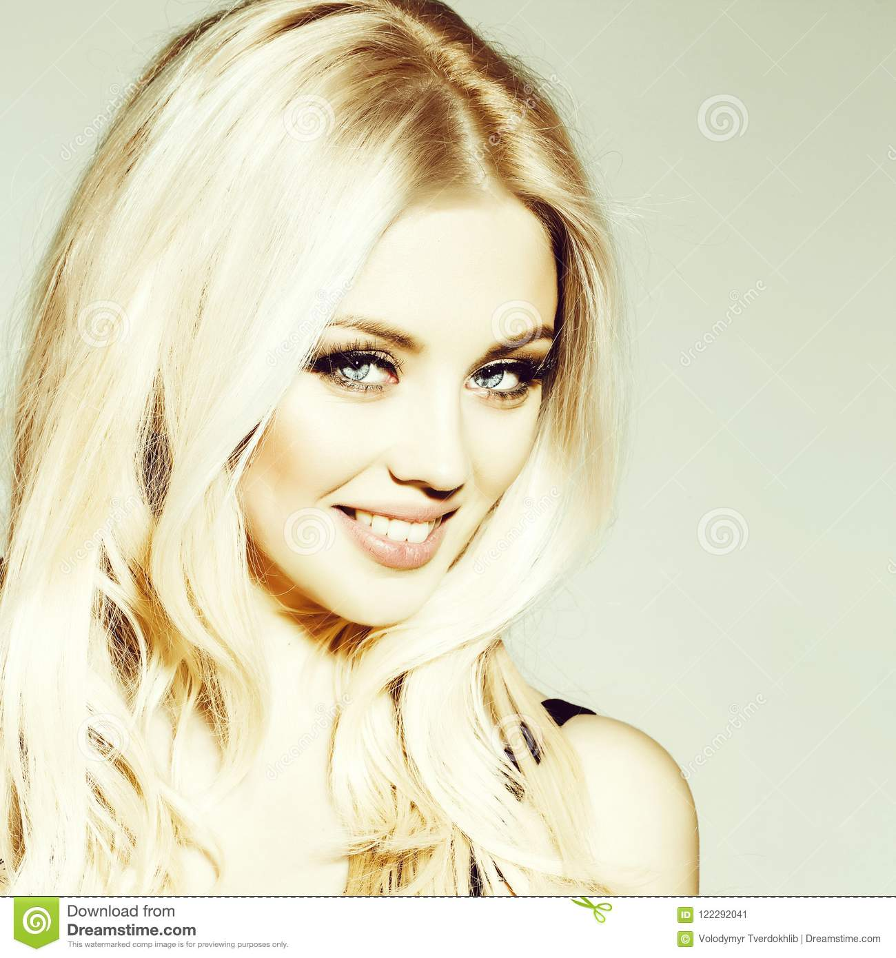 Pretty Smiling Platinum Blonde Girl Stock Image Image Of Smiling
