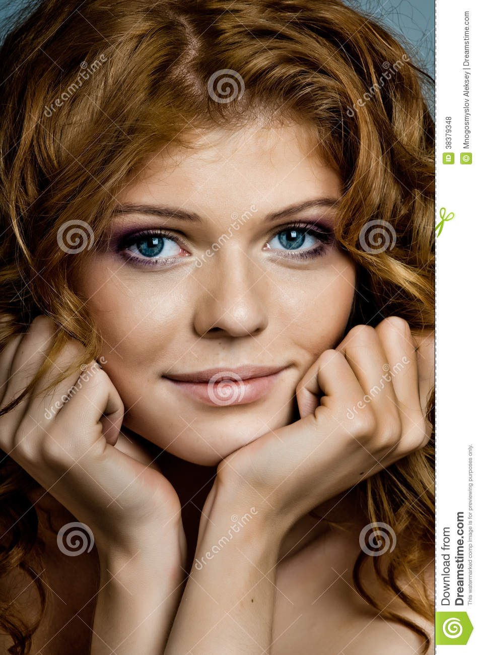 Vertical Portrait Of Pretty 14 Year Old Girl Stock Image: Pretty Woman Royalty Free Stock Photos