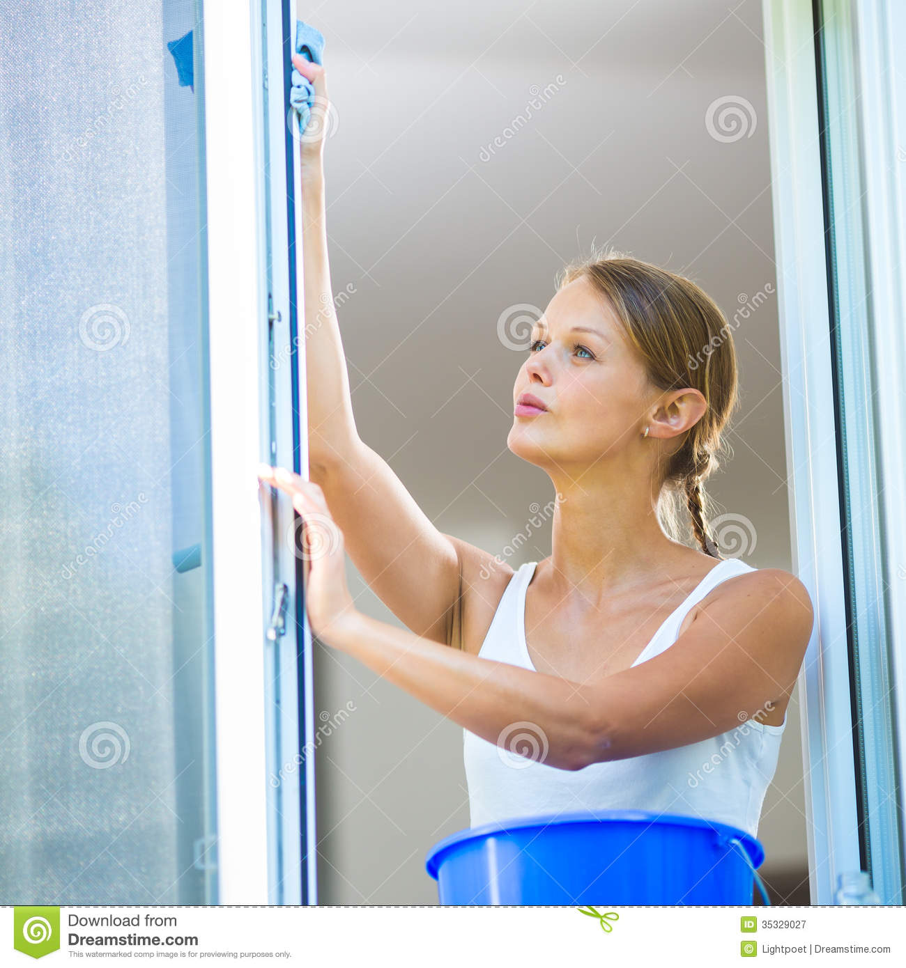 Washing House Windows 28 Images Cleaning Windows With Vinegar Without Streaks Woman Washing