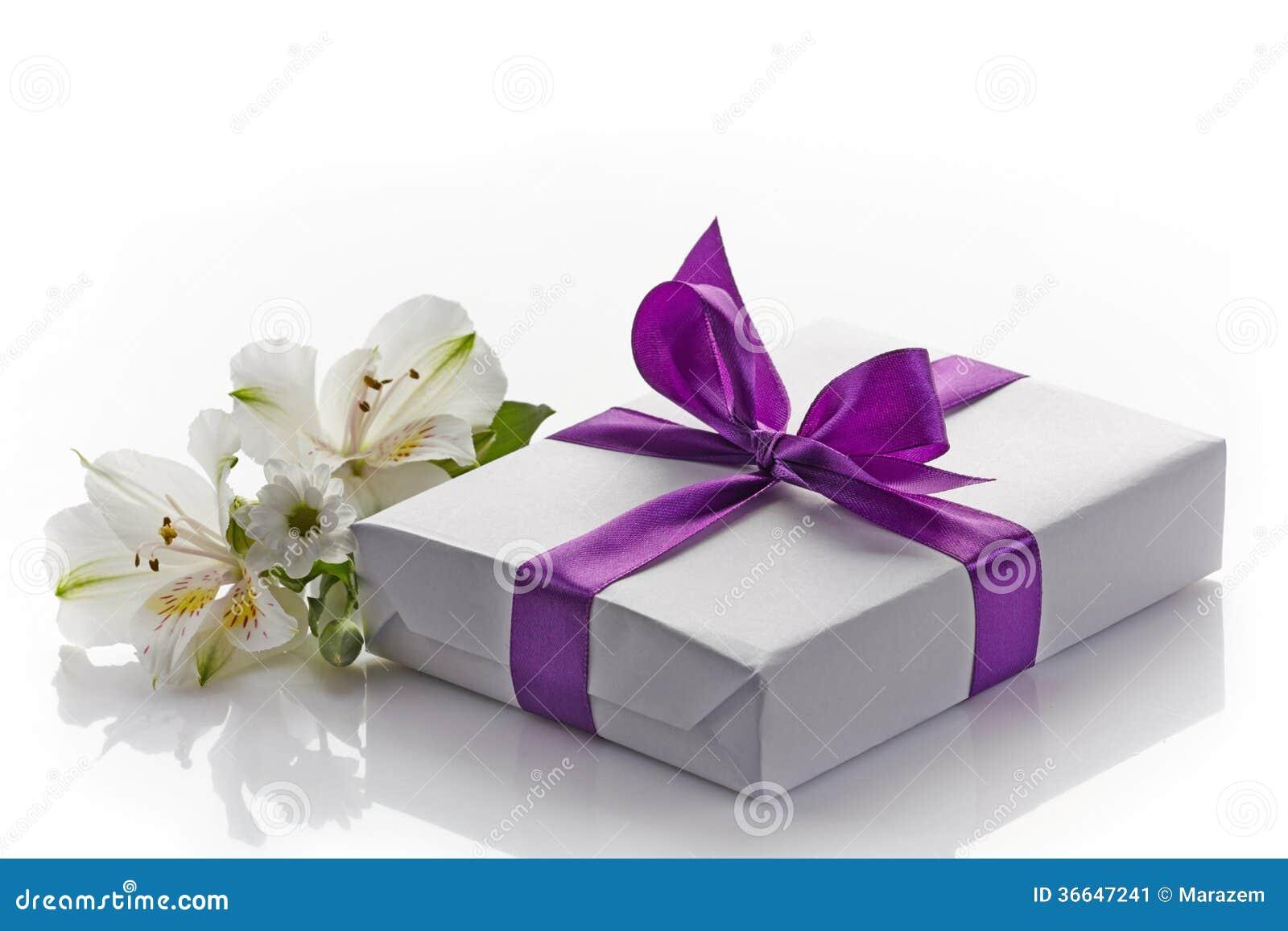 Prezentów kwiaty i pudełko
