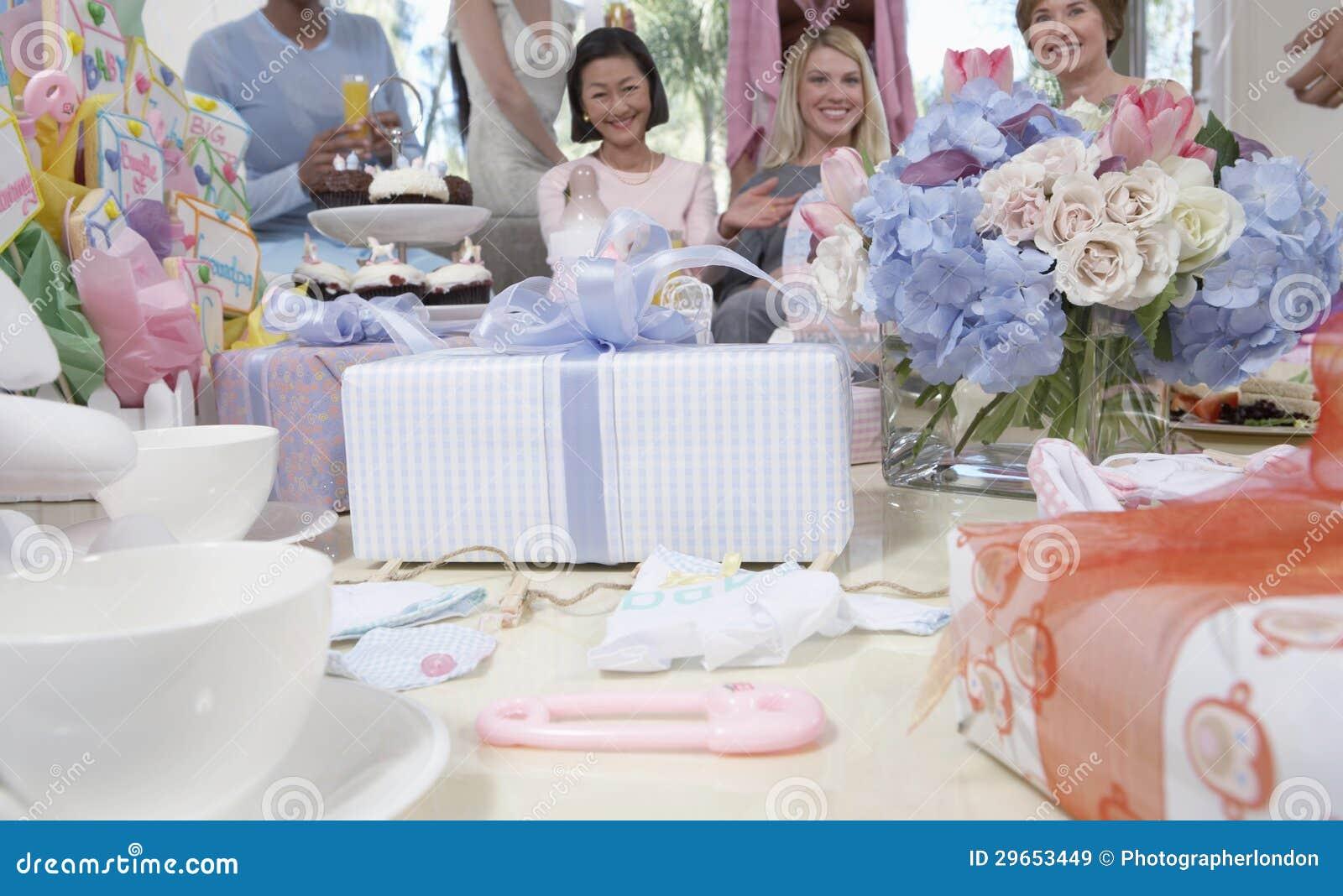 Prezenty Na stole Przy dziecko prysznic
