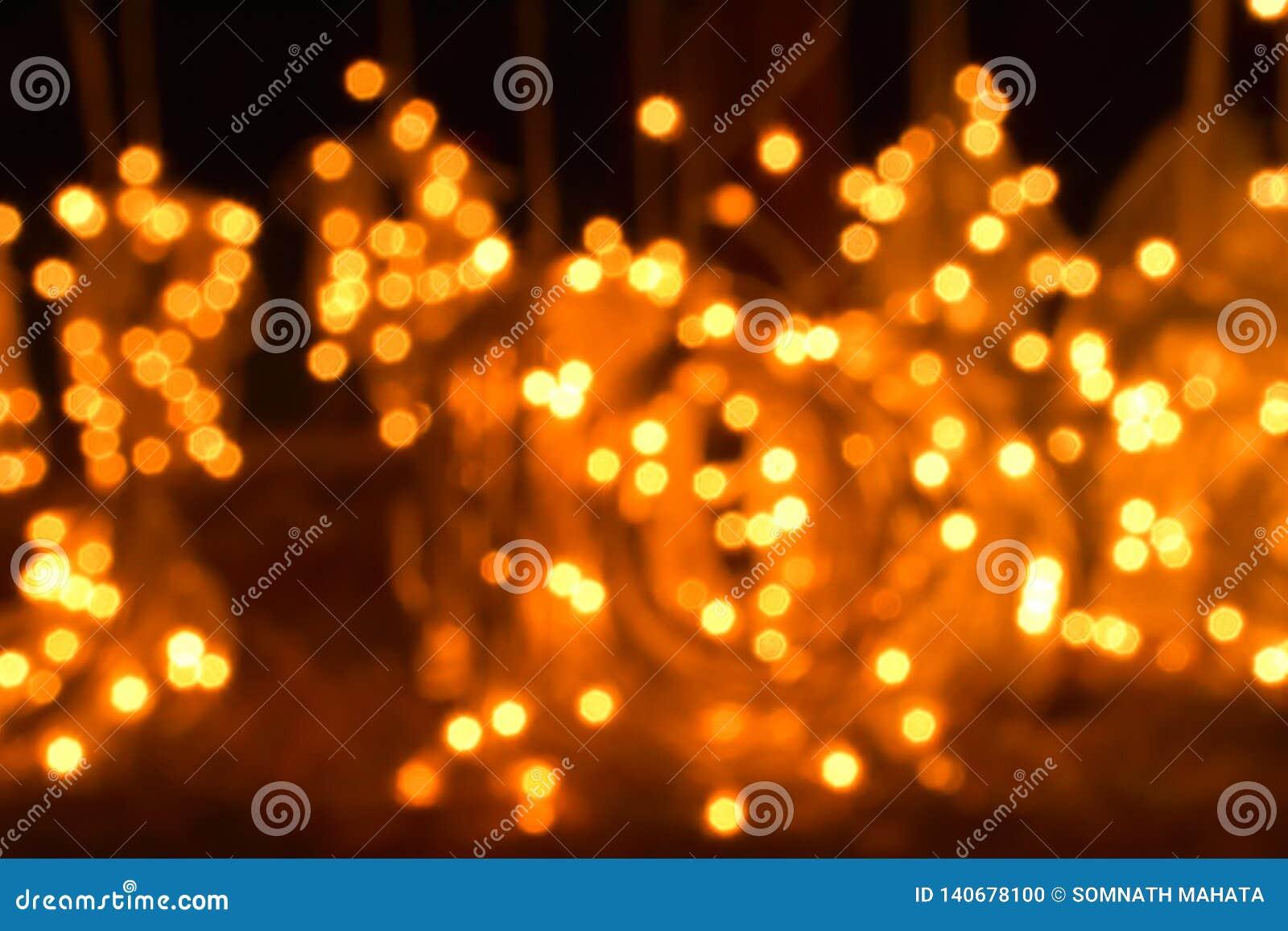 Prickar av att blänka ljus suddigheta lampor