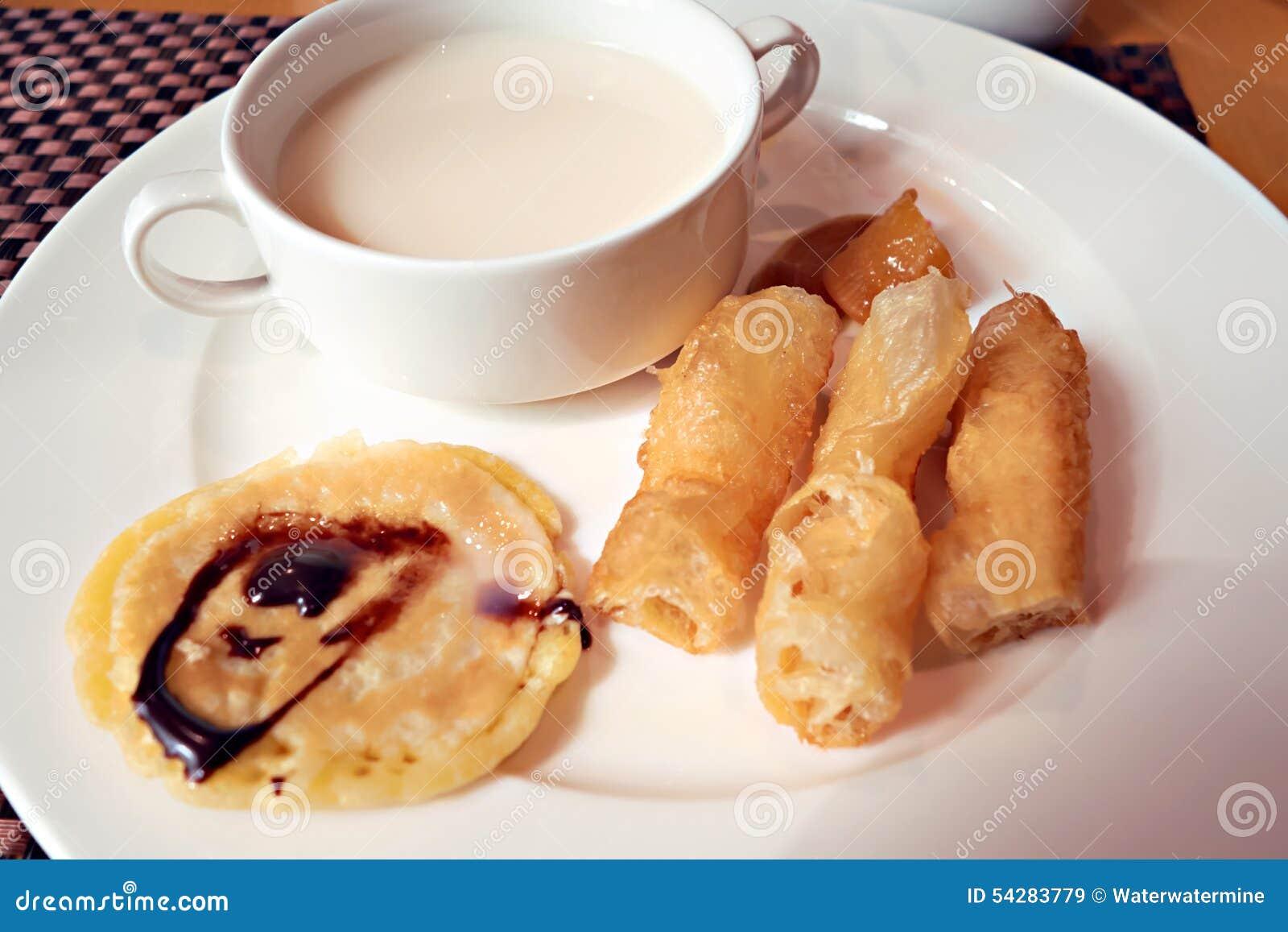 Prima colazione del cinese tradizionale immagine stock for Colazione cinese