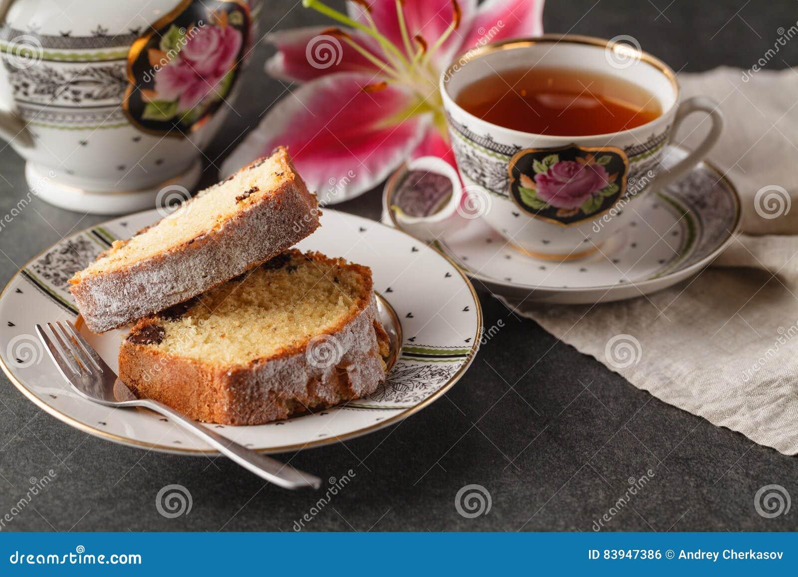 Prima colazione di giorno di biglietti di S. Valentino con caffè, il dolce ed il fiore