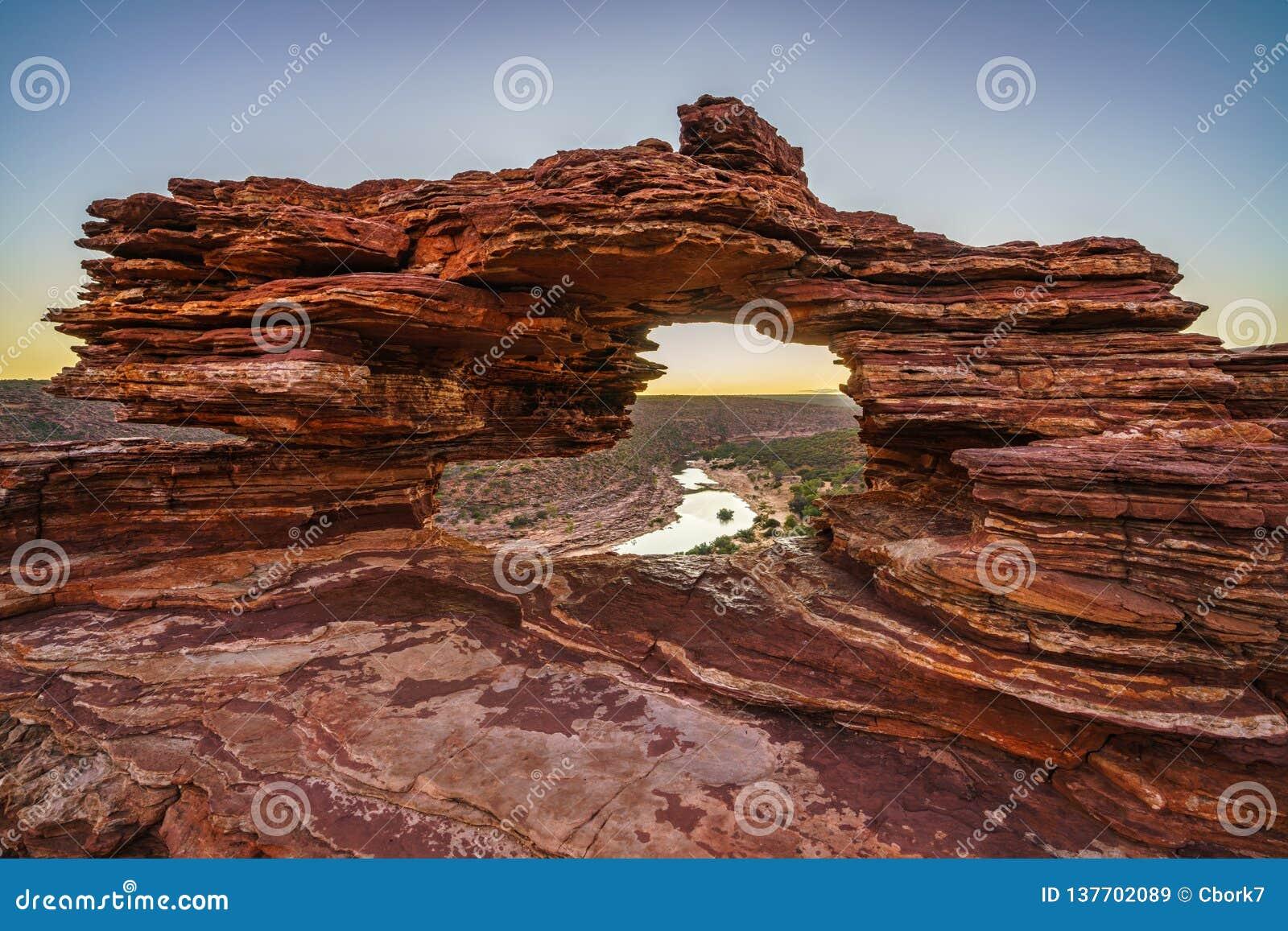 Prima di alba alla finestra delle nature nel parco nazionale di kalbarri, Australia occidentale 11