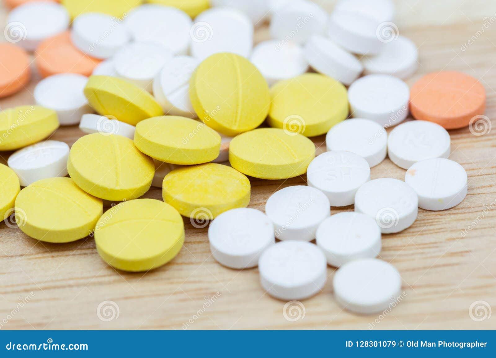 Primer colorido de las tabletas o de las drogas de las píldoras de la medicina