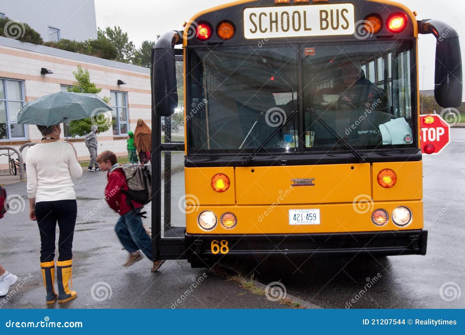 Primer día de autobús escolar
