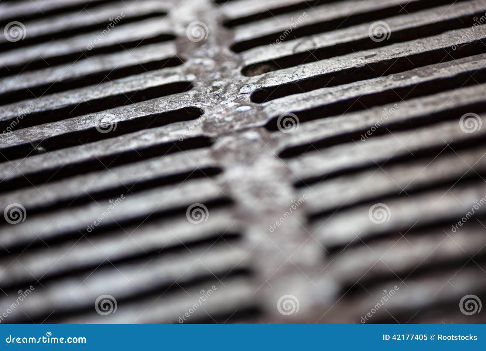 Primer de la superficie de la rejilla del dren del metal
