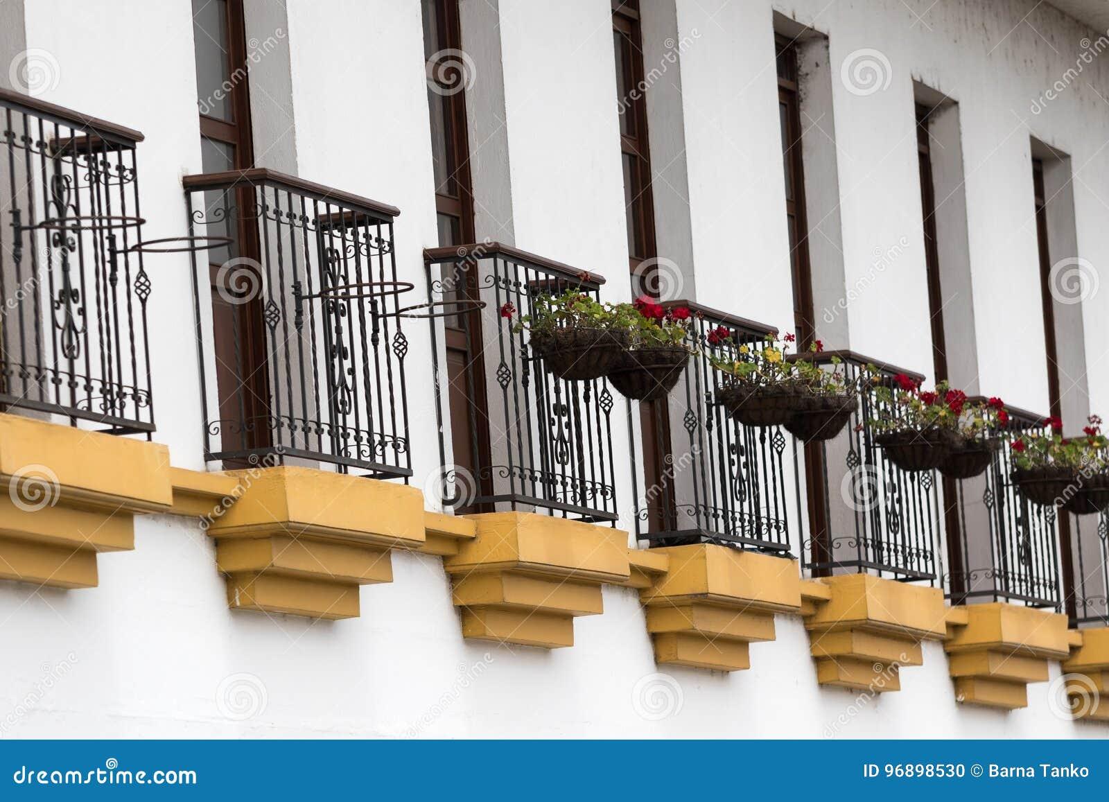 Primer de los balcones en Popayan Colombia