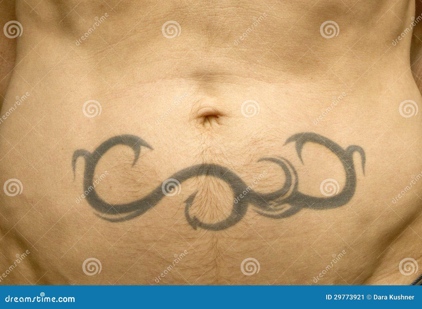 Primer De Un Tatuaje De La Panza Imagen De Archivo Imagen De