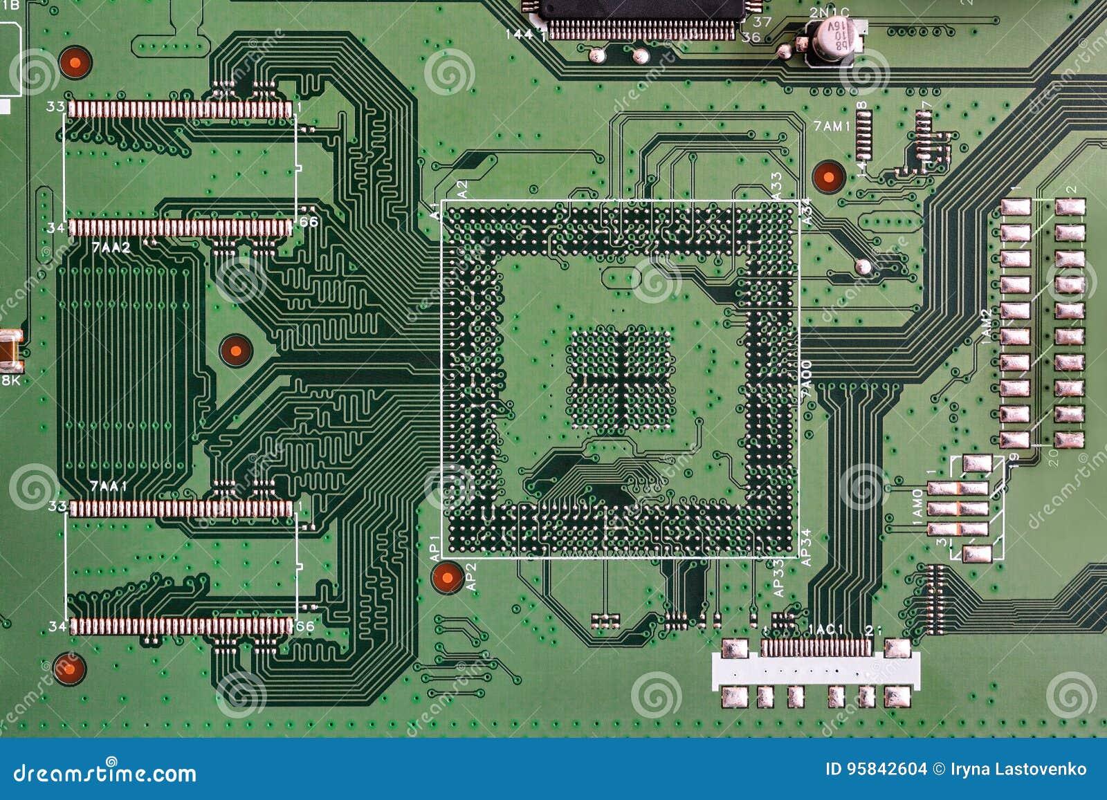 Primer electrónico del color verde de la placa de circuito
