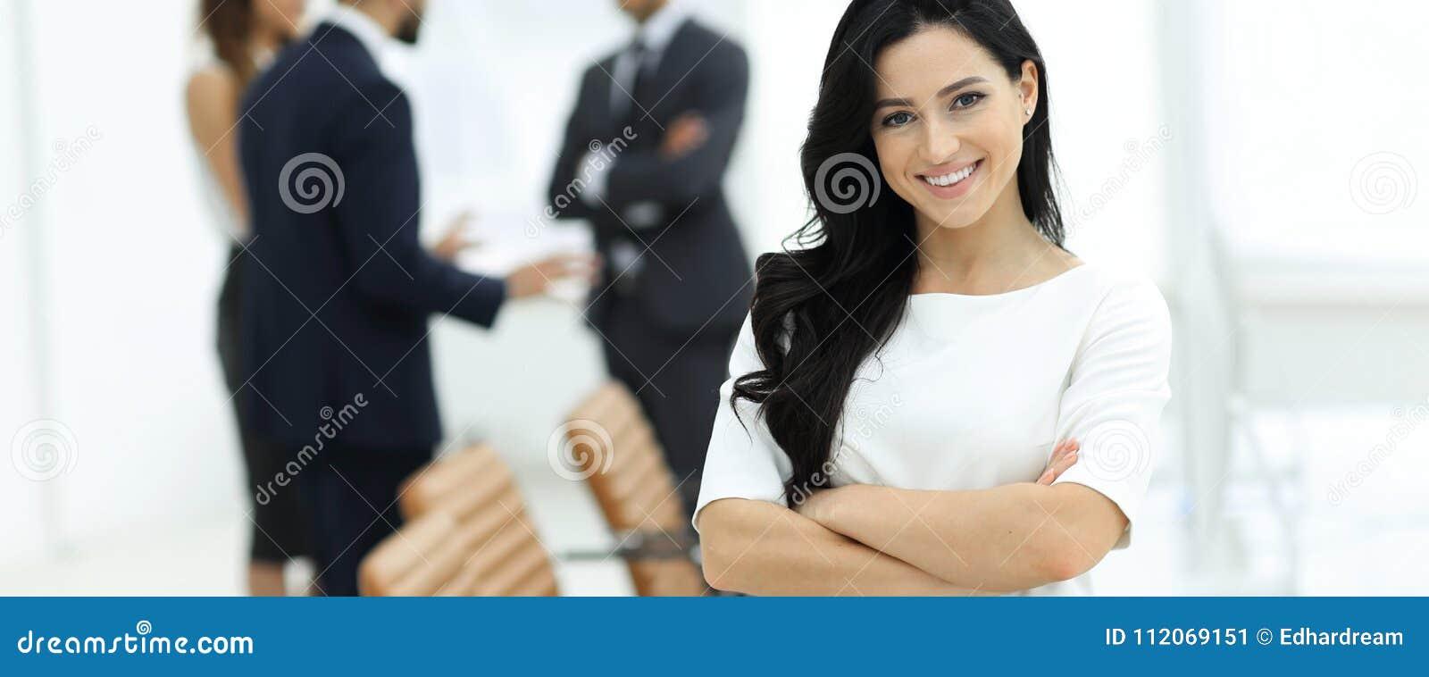 Primer Mujer ejecutiva en la oficina