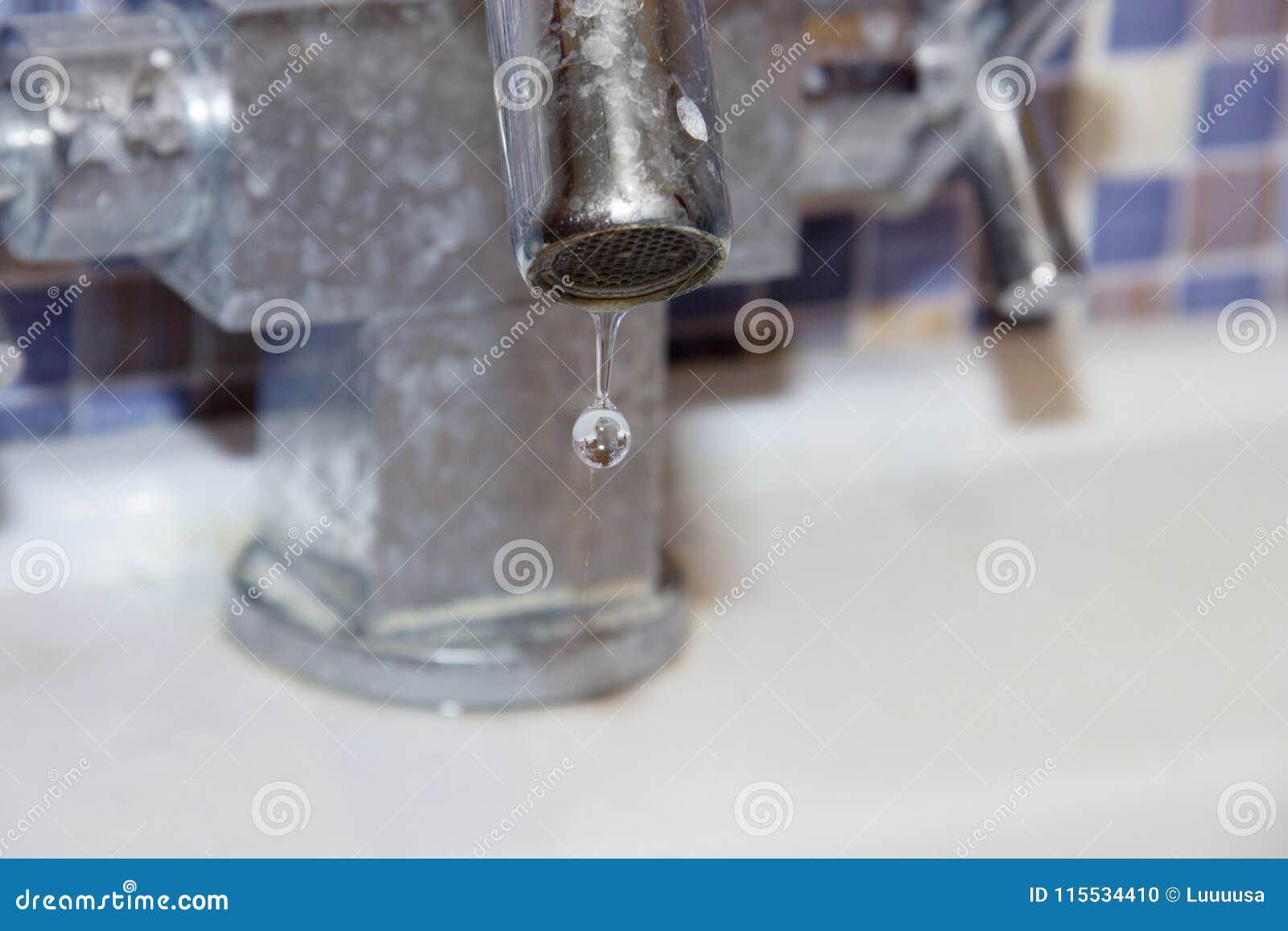 enormi immagini di rubinetti