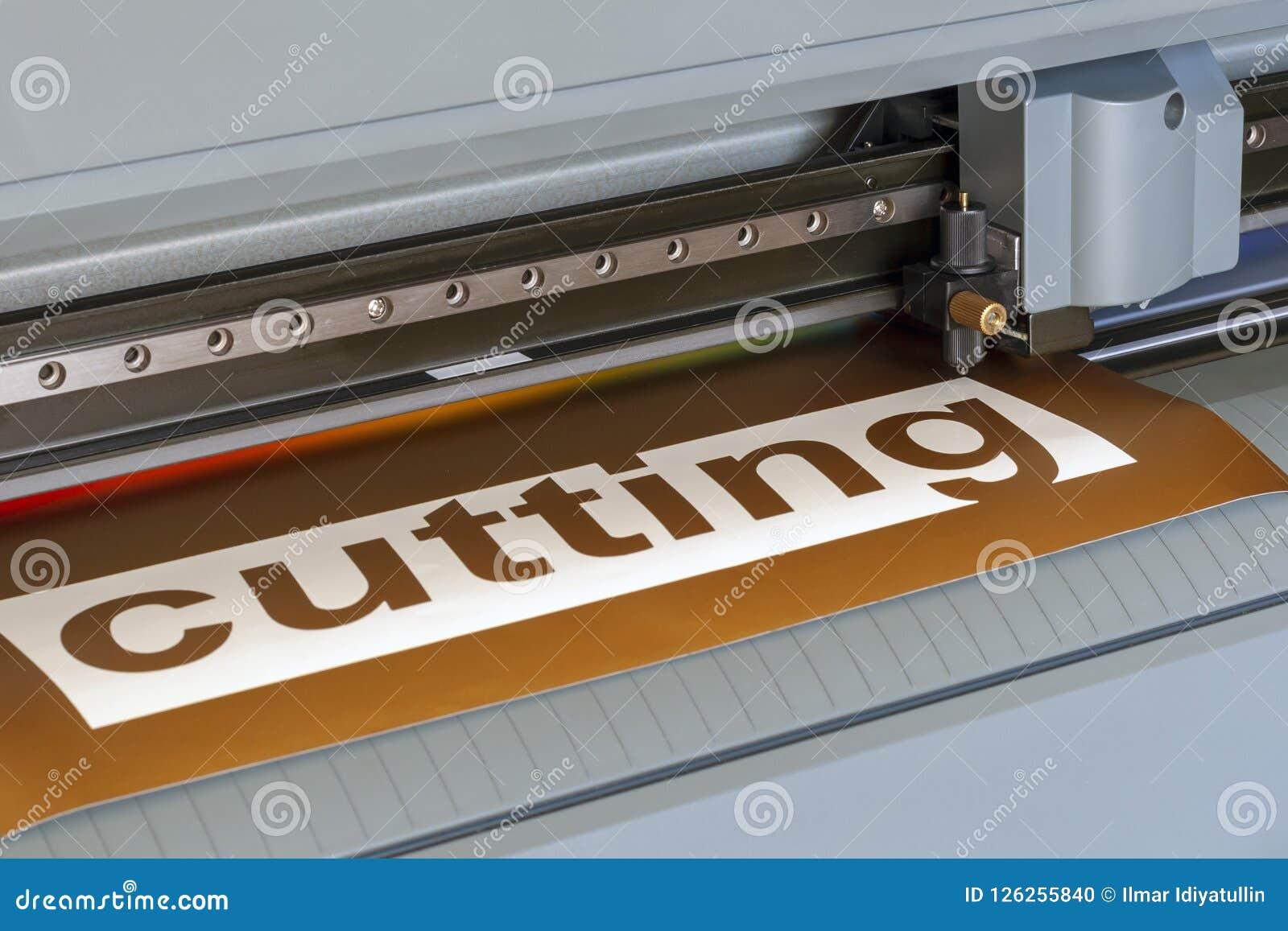 Primo piano del tracciatore di taglio Il processo di taglio del film del vinile