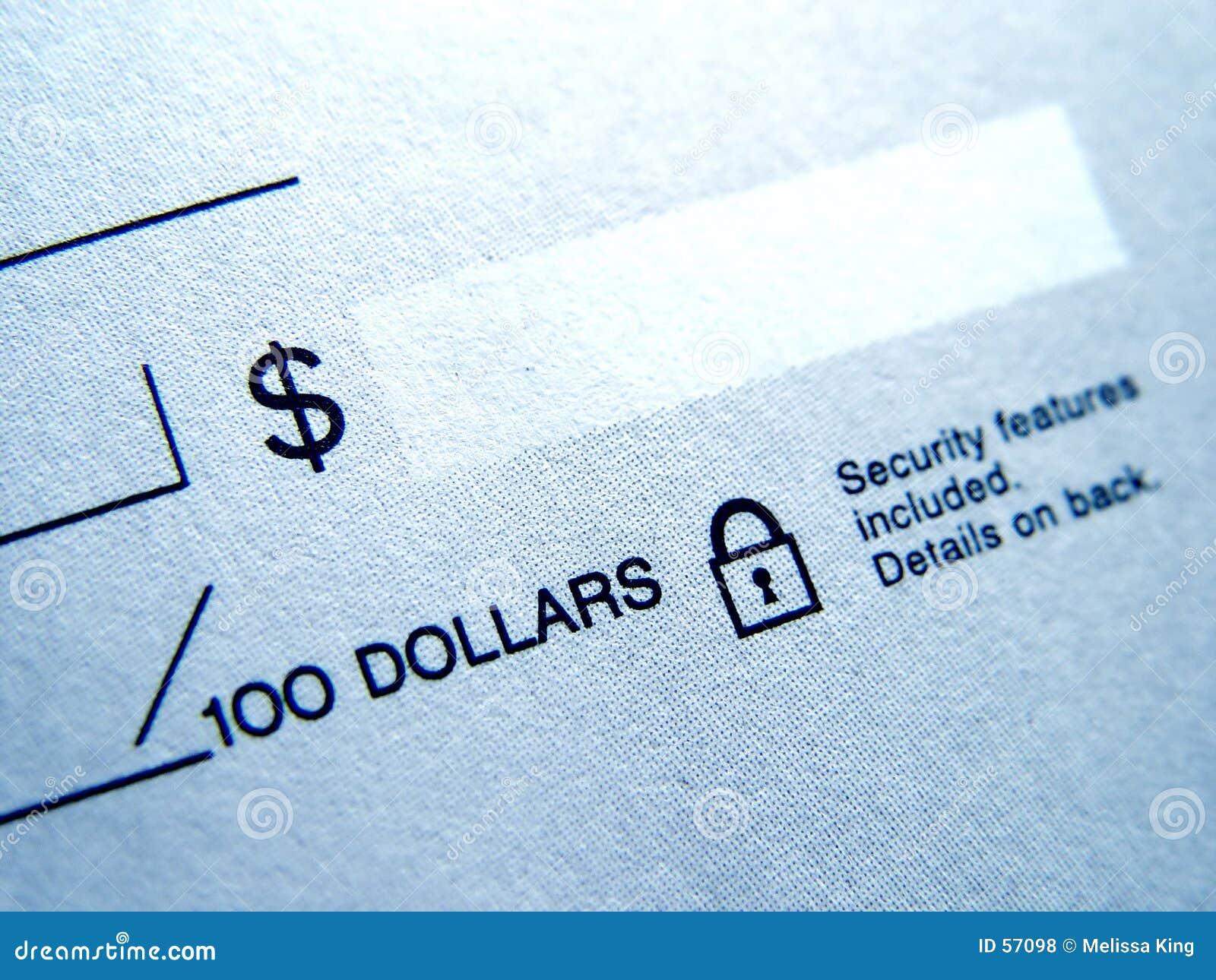 Primo piano dell assegno in bianco