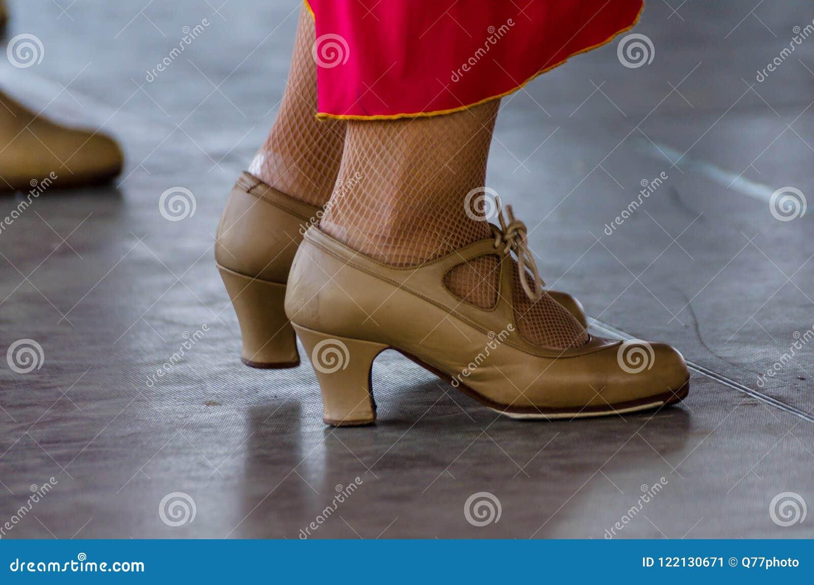 half off b968a f529a Primo Piano Dell'scarpe Tipiche Al Flamenco Spagnolo ...