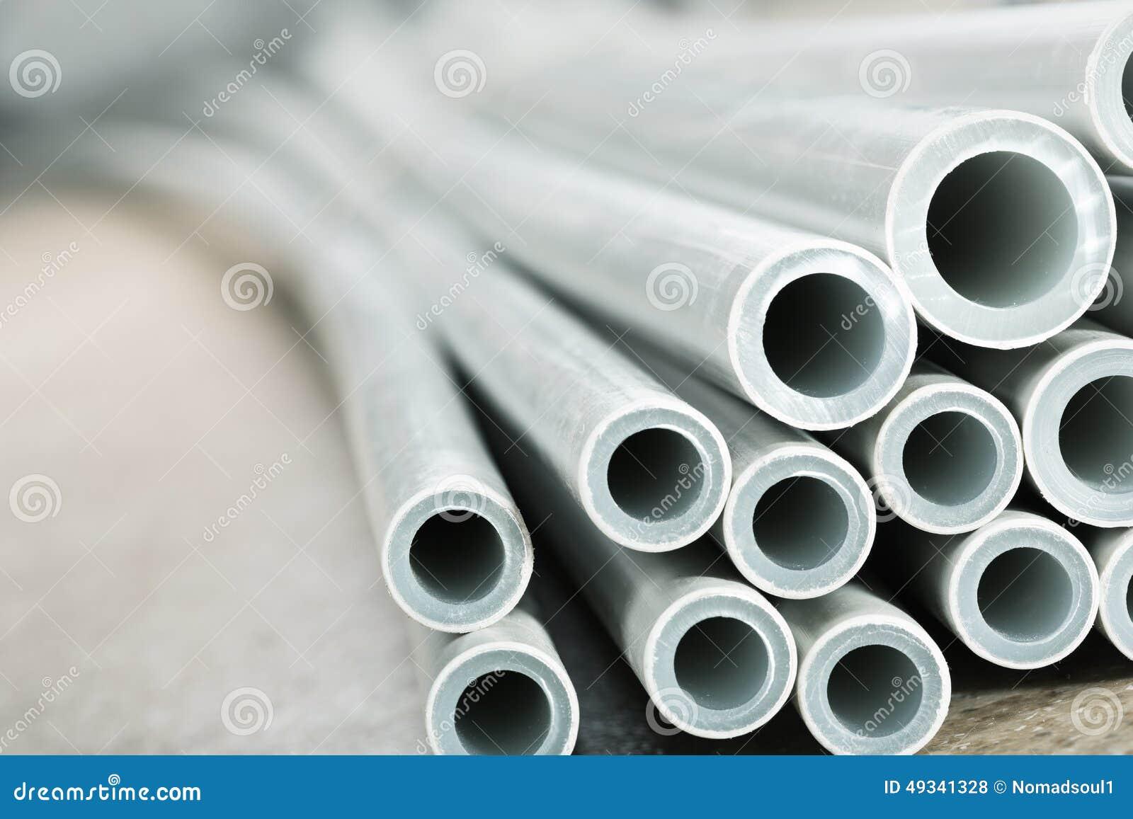 Primo piano industriale di plastica dei tubi fotografia for Tipi di tubi di plastica