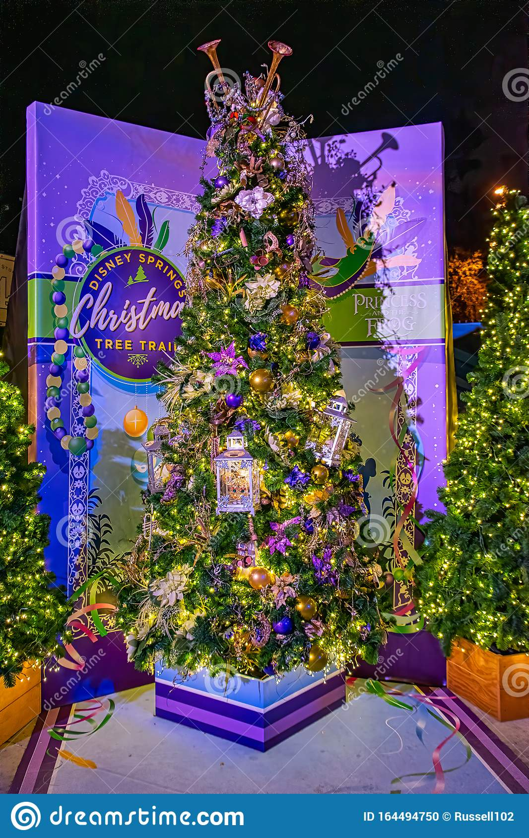 Princess And The Frog Themed Christmas Tree Editorial Image Image Of Star Tree 164494750