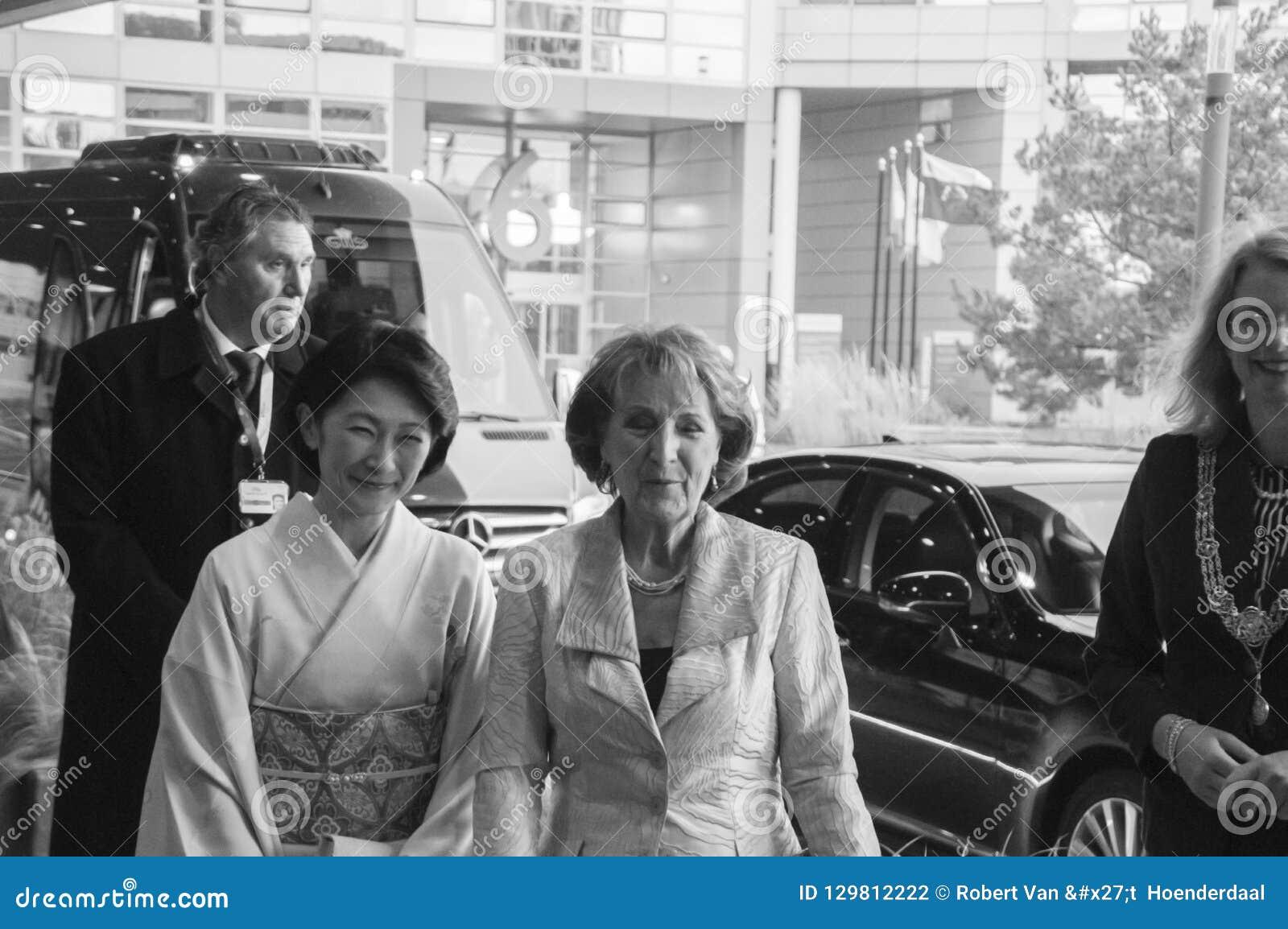 Princess Magriet I Princess Akishino Przy Światową forum meliną Haag Dla ceremonii Światowa konferencja Na Zwalczać TB W Bl