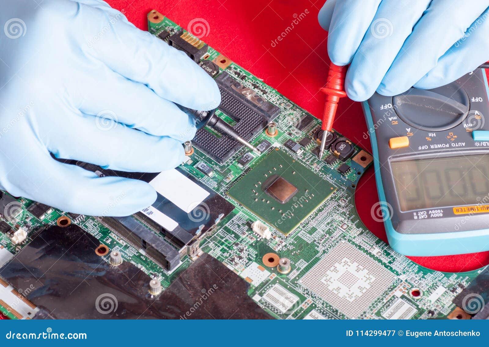 Printed Circuit Board Testing In Repair Service Stock Image