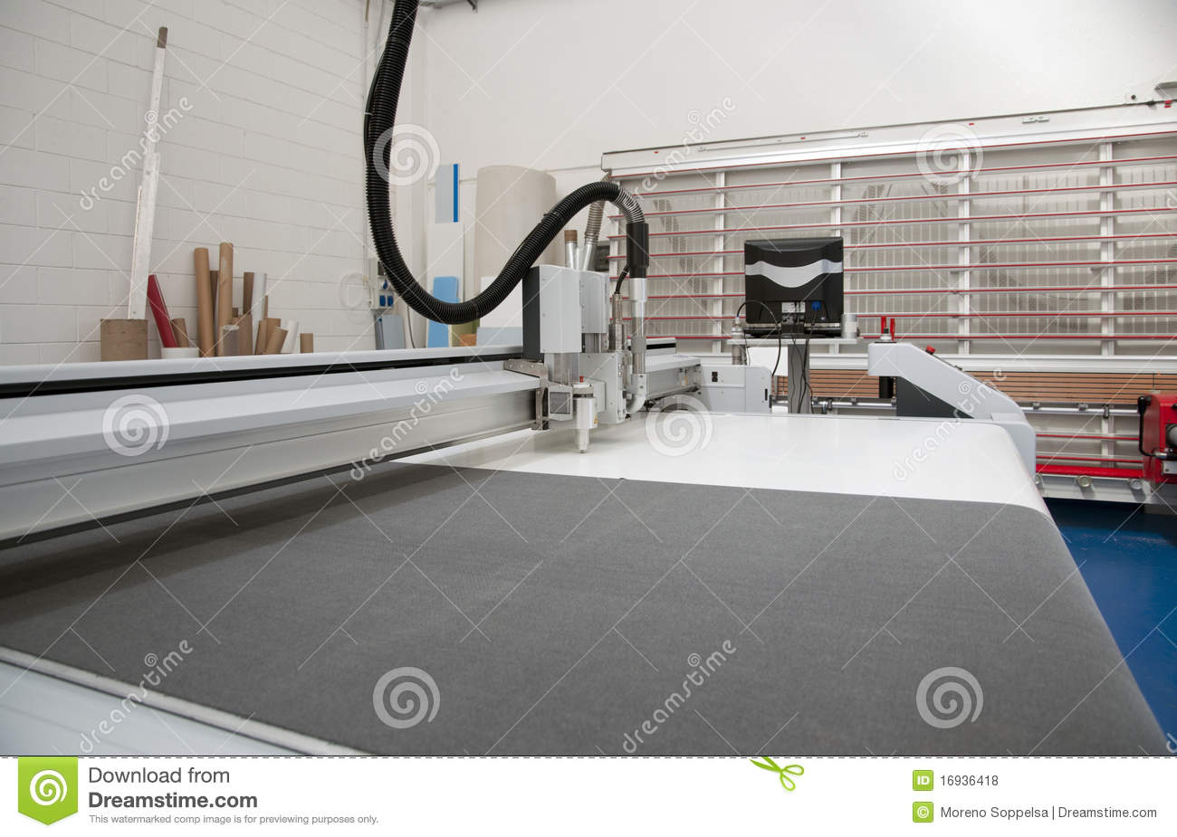 What Kind of Business Can I Have With a Vinyl Cutting Machine?