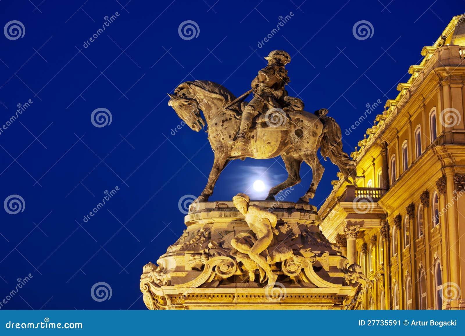 Prinz Eugene der Wirsing-Statue nachts