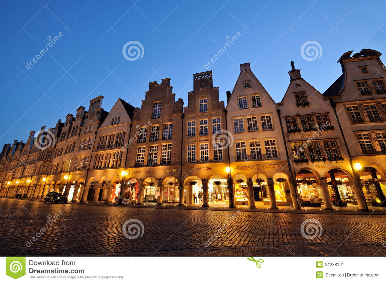 prinzipalmarkt square at muenster by night editorial photo image 21288101. Black Bedroom Furniture Sets. Home Design Ideas