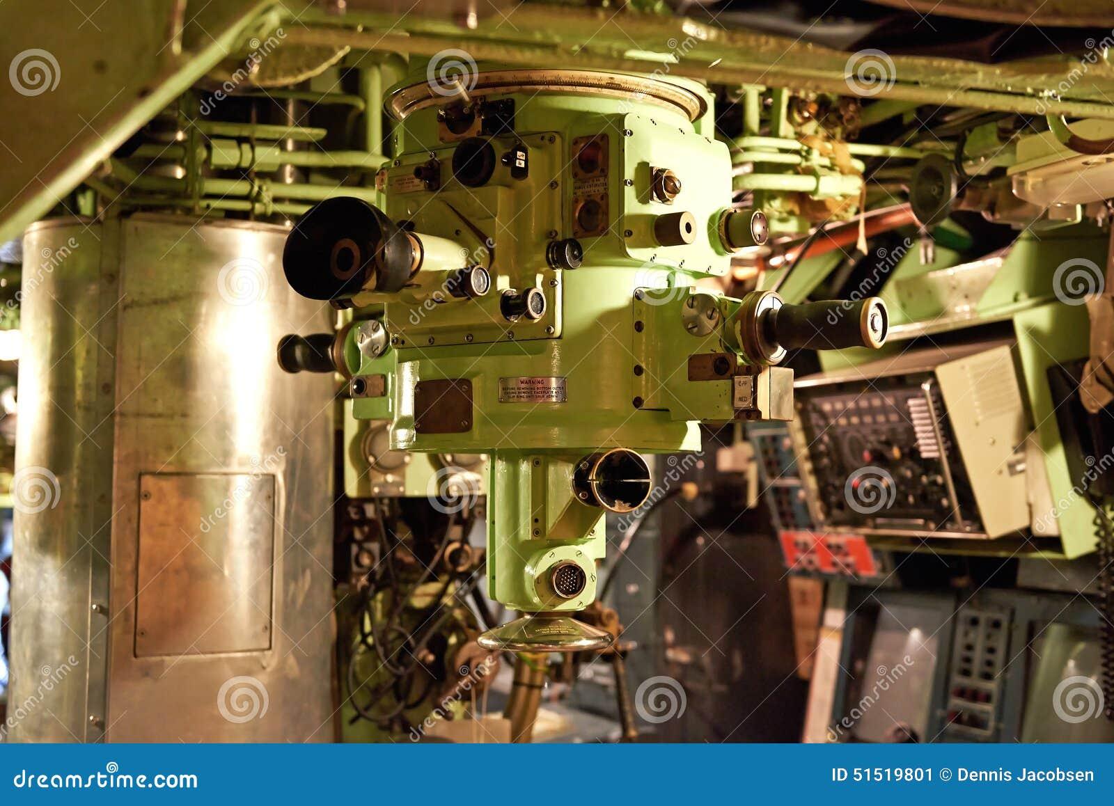 P riscope l 39 int rieur d 39 un sous marin photo stock for Interieur sous marin