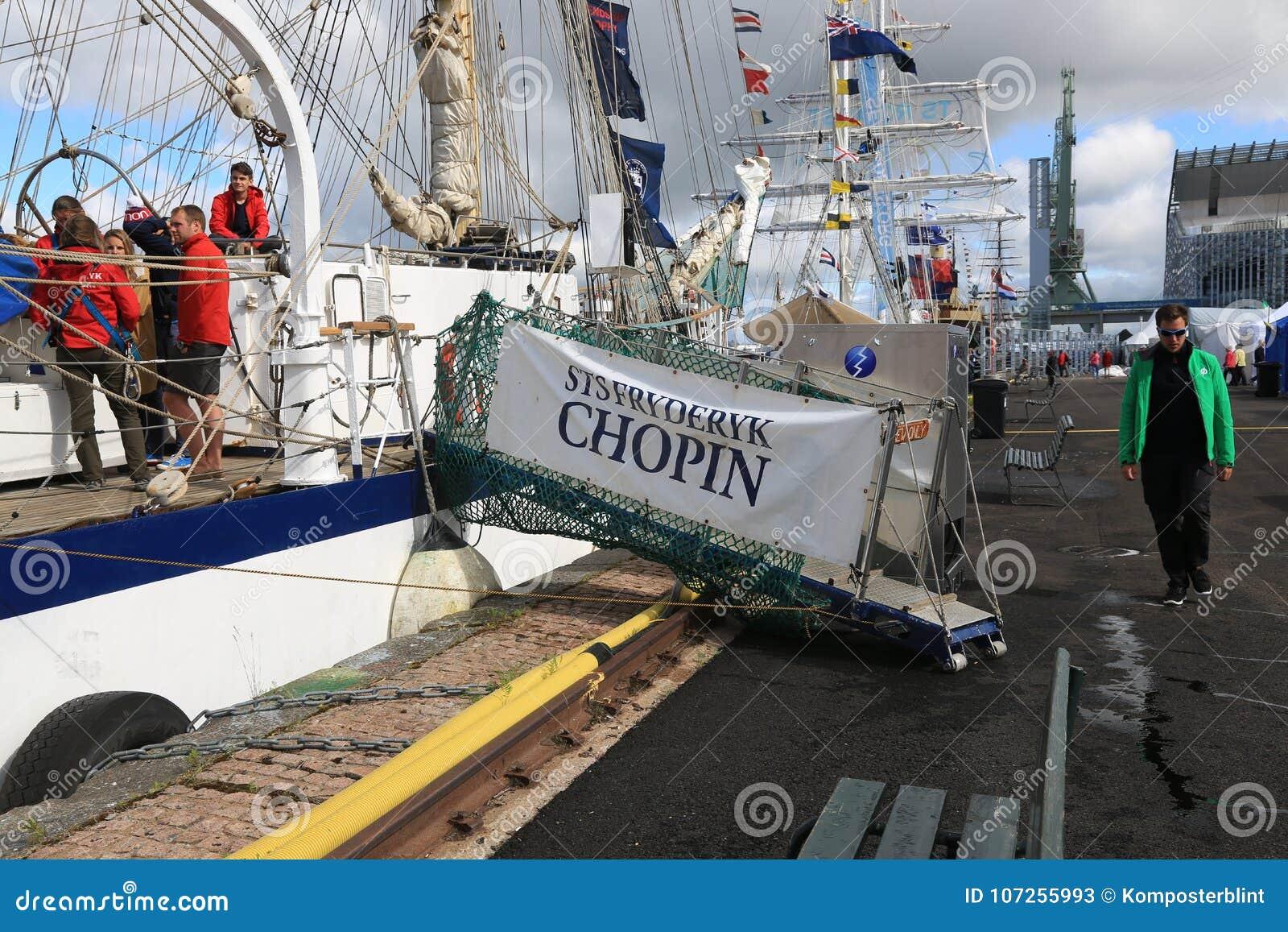 Prison polonaise Fryderyk Chopin Passerelle avec le nom du bateau