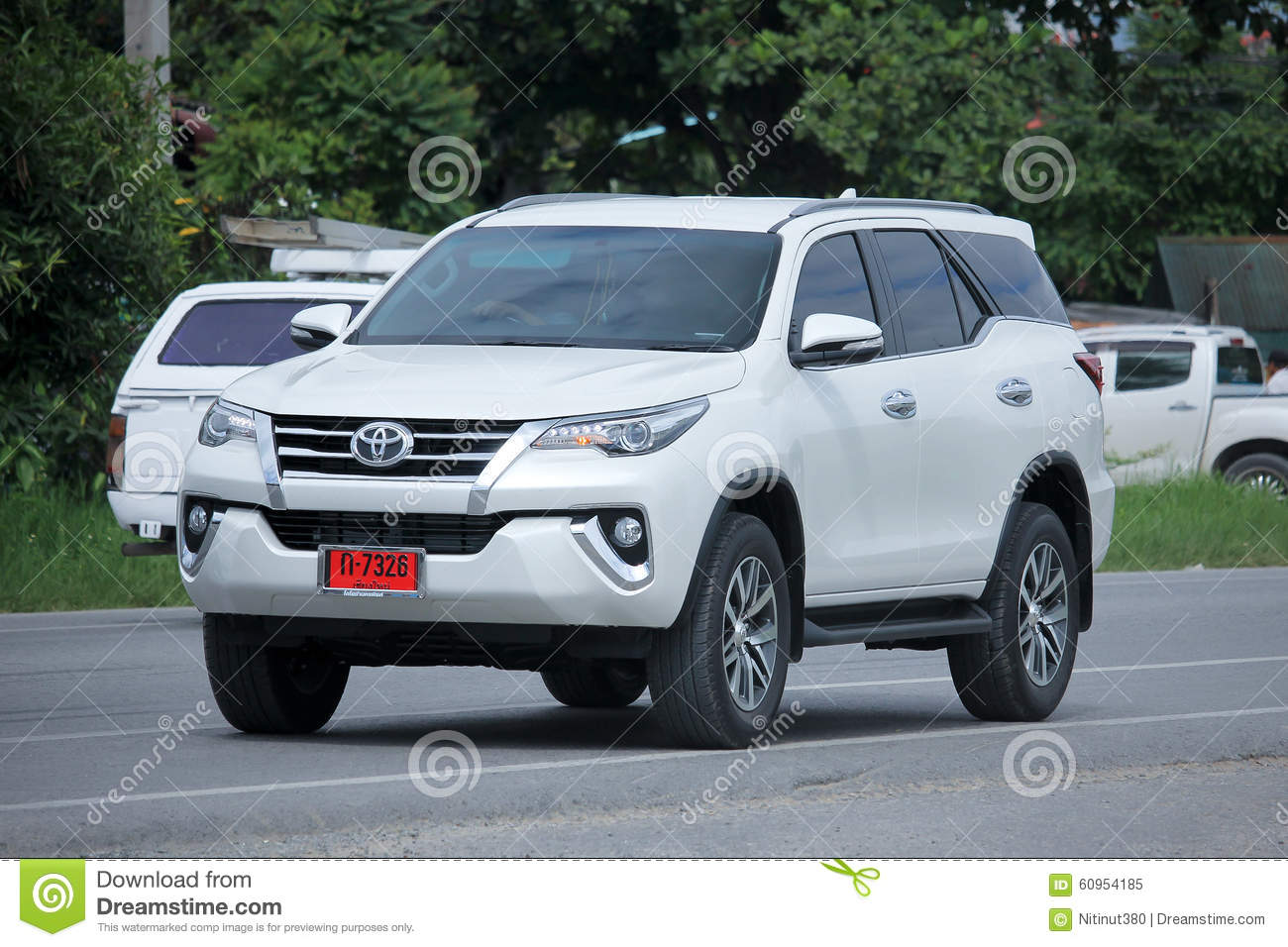 privat suv auto toyota fortuner redaktionelles bild bild 60954185. Black Bedroom Furniture Sets. Home Design Ideas