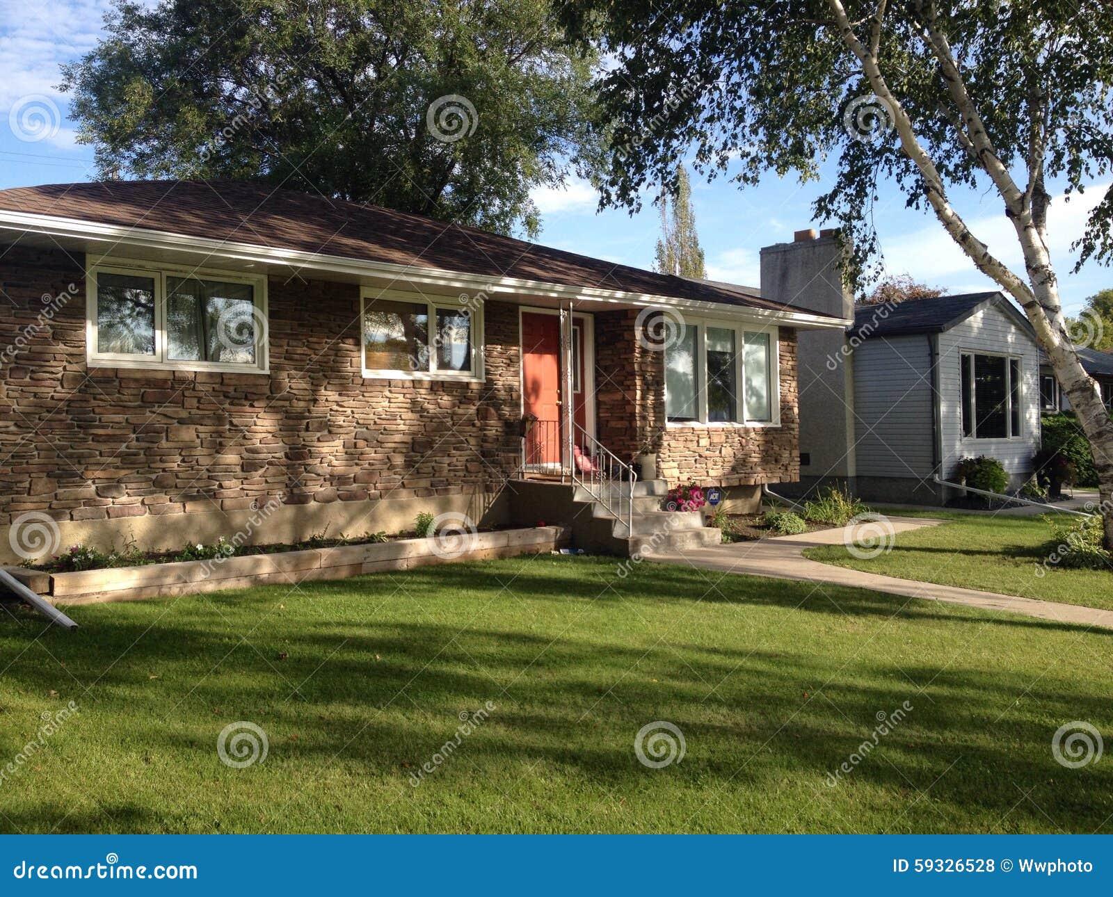 Privathäuser in Winnipeg stockfoto. Bild von häuser, fassade - 59326528
