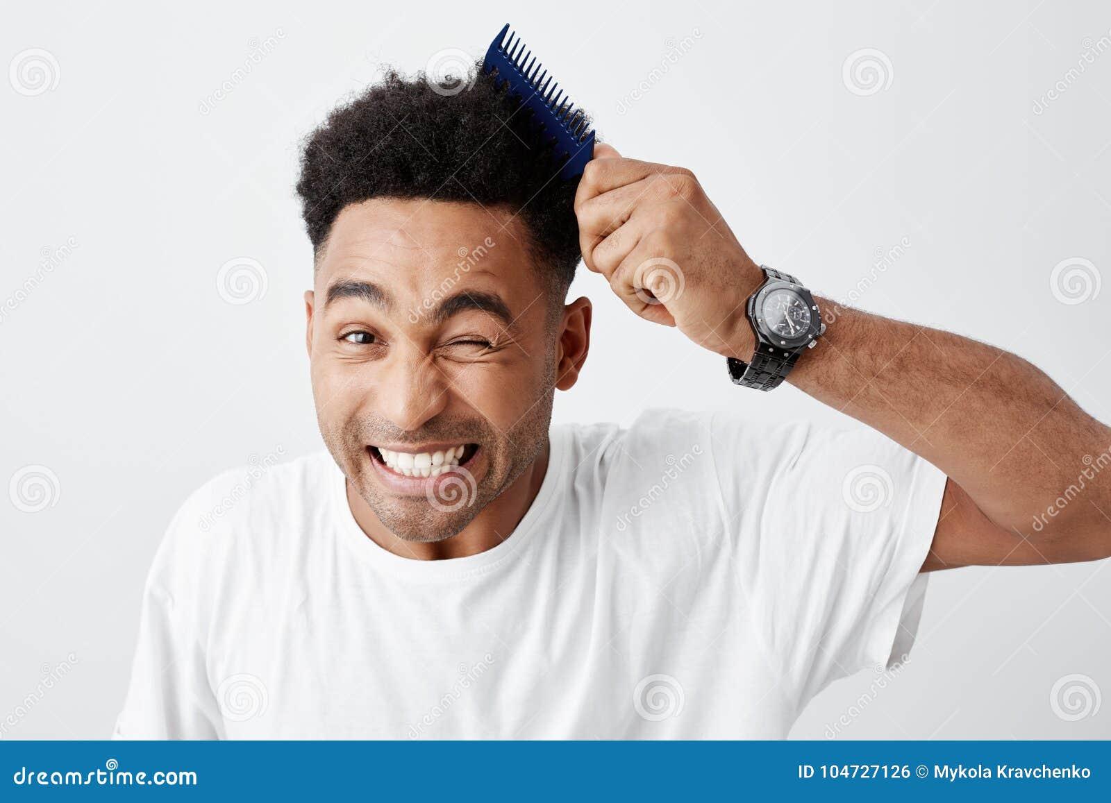 Cortes de pelo ondulado hombres jovenes