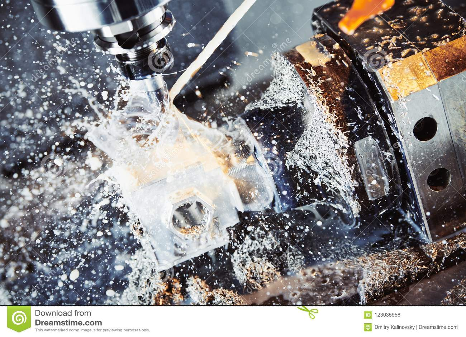 Proceso metalúrgico que muele Metal industrial del CNC que trabaja a máquina por el molino vertical Líquido refrigerador y lubric