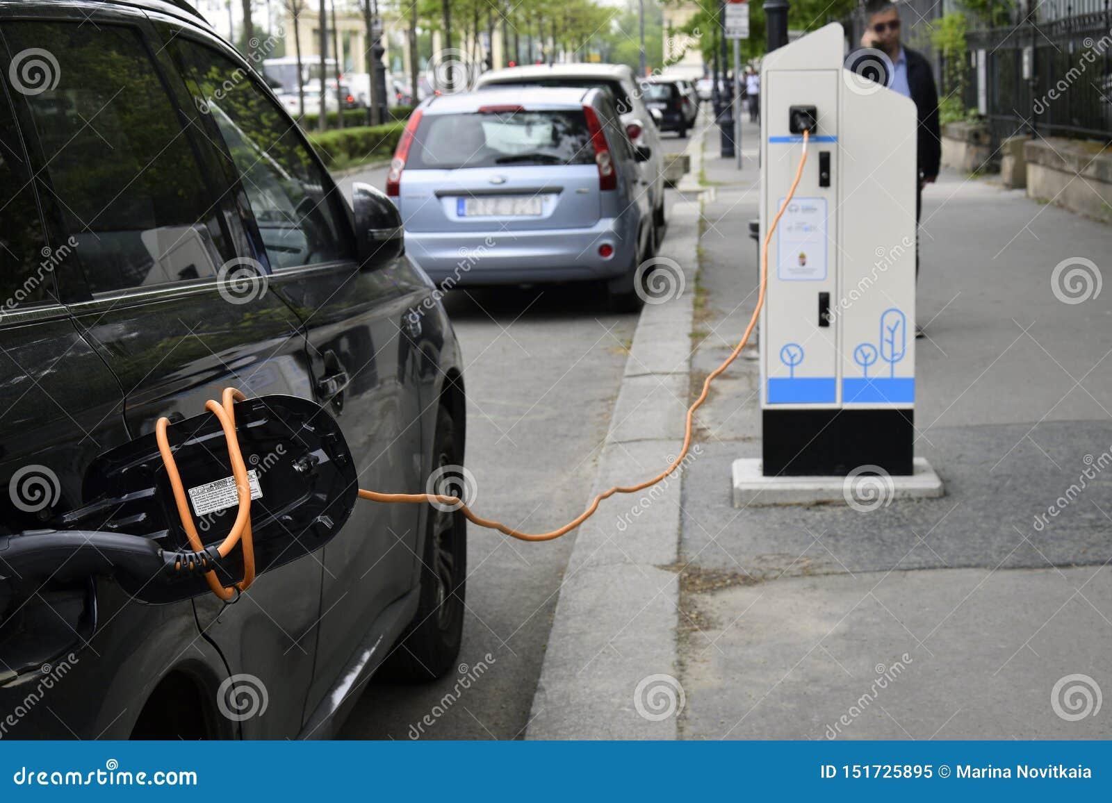Processen av att uppladdning en elbil