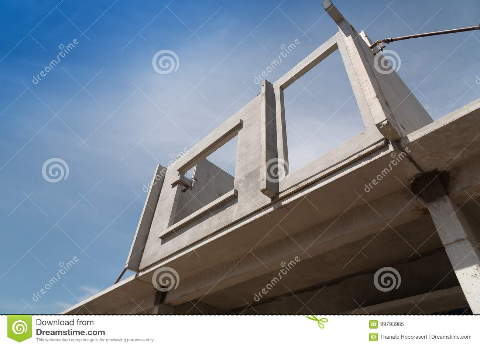 Processo de instalação de painéis de parede pré-fabricados