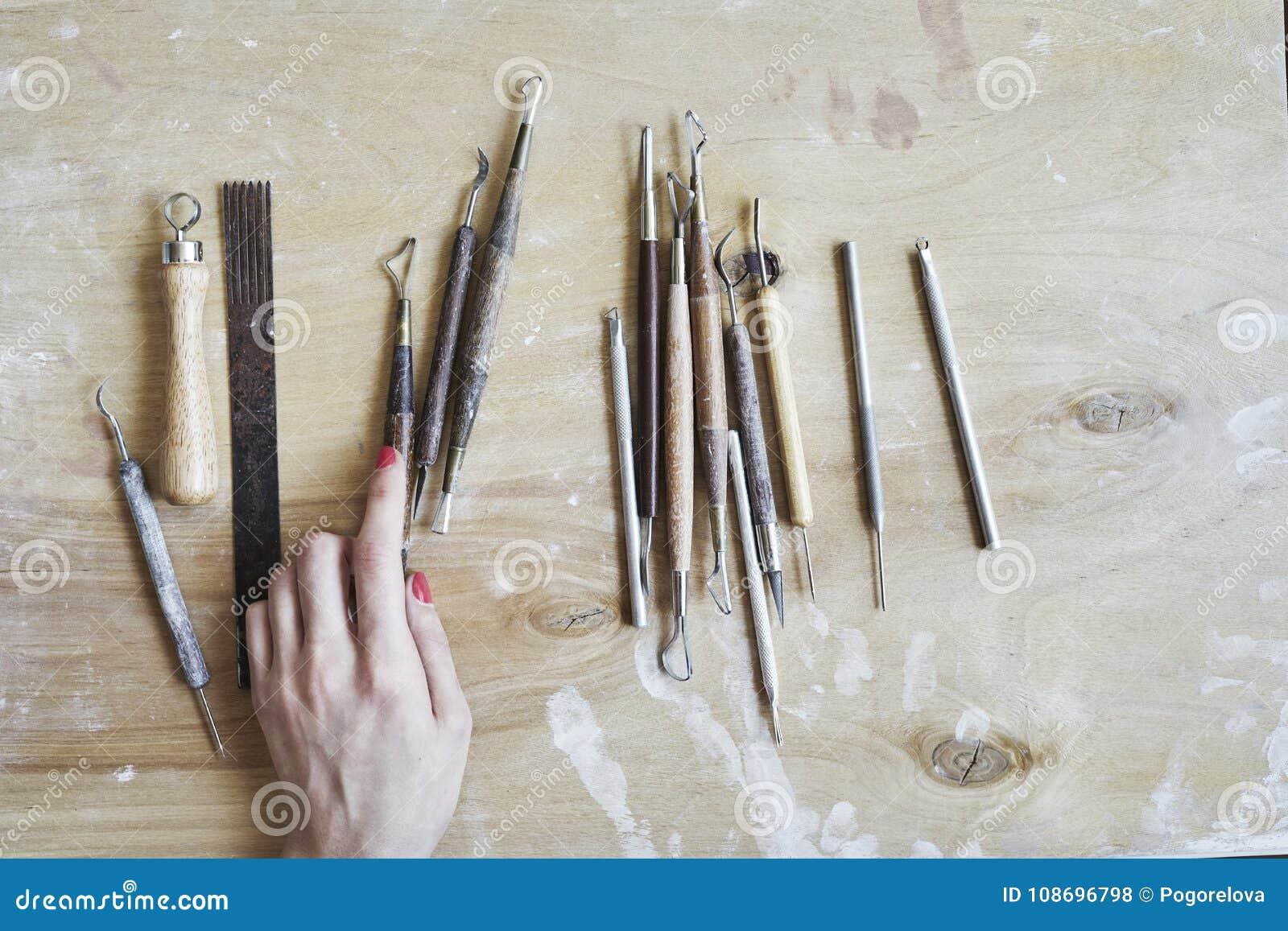 Strumenti Per Lavorare Il Legno : Processo di lavoro ceramico strumenti per lavoro artigianale in