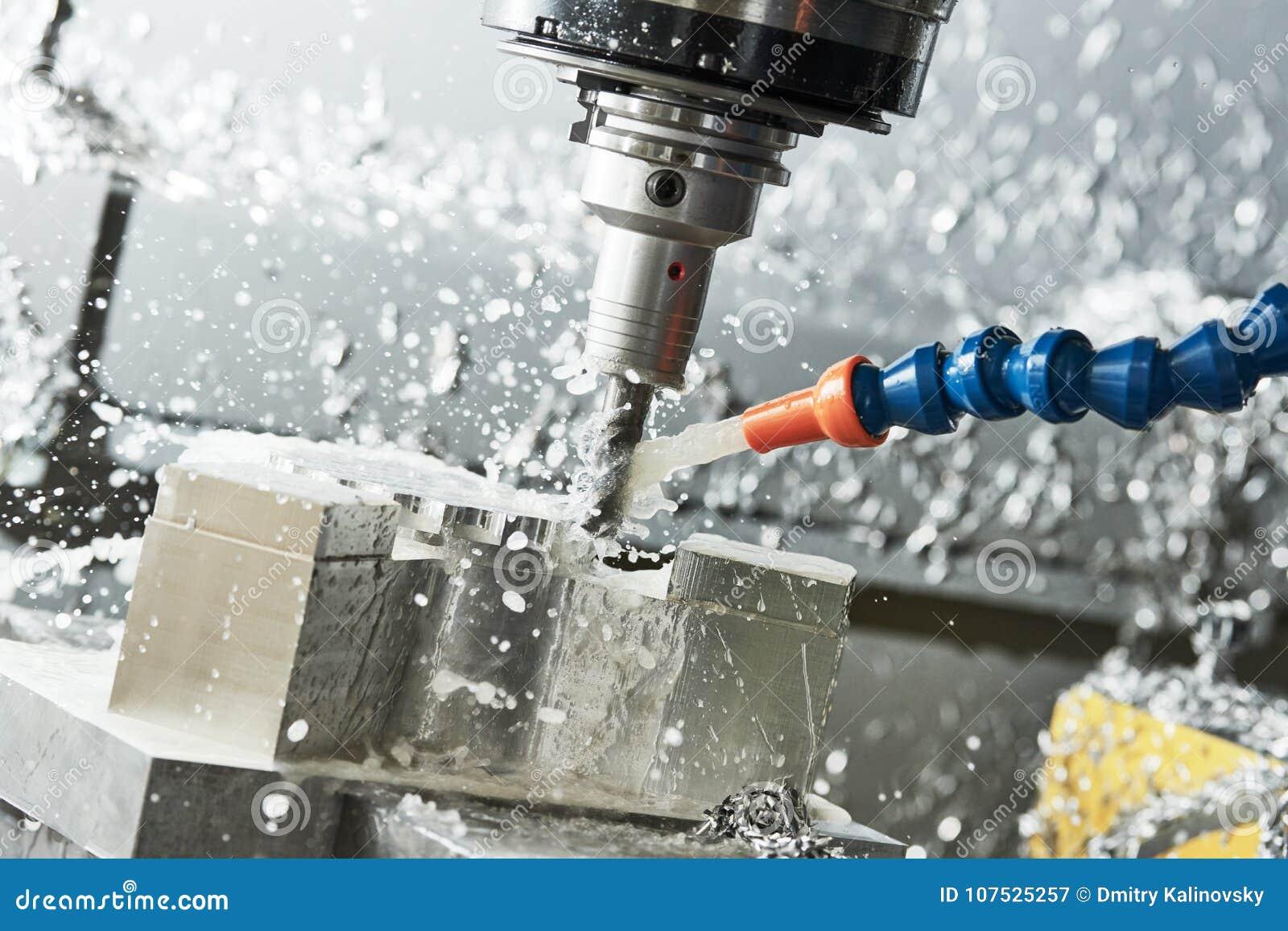 Processus métallurgique de fraisage Métal industriel de commande numérique par ordinateur usinant par le moulin vertical