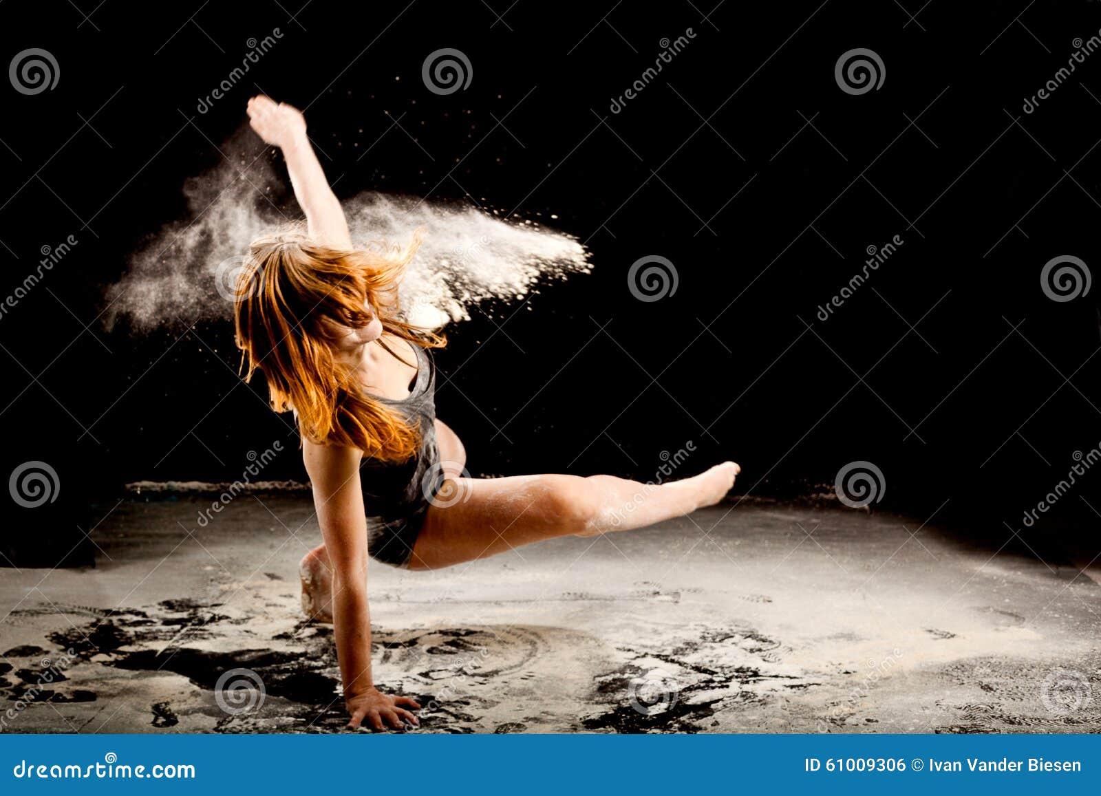 Prochowego tancerza exressive ruch