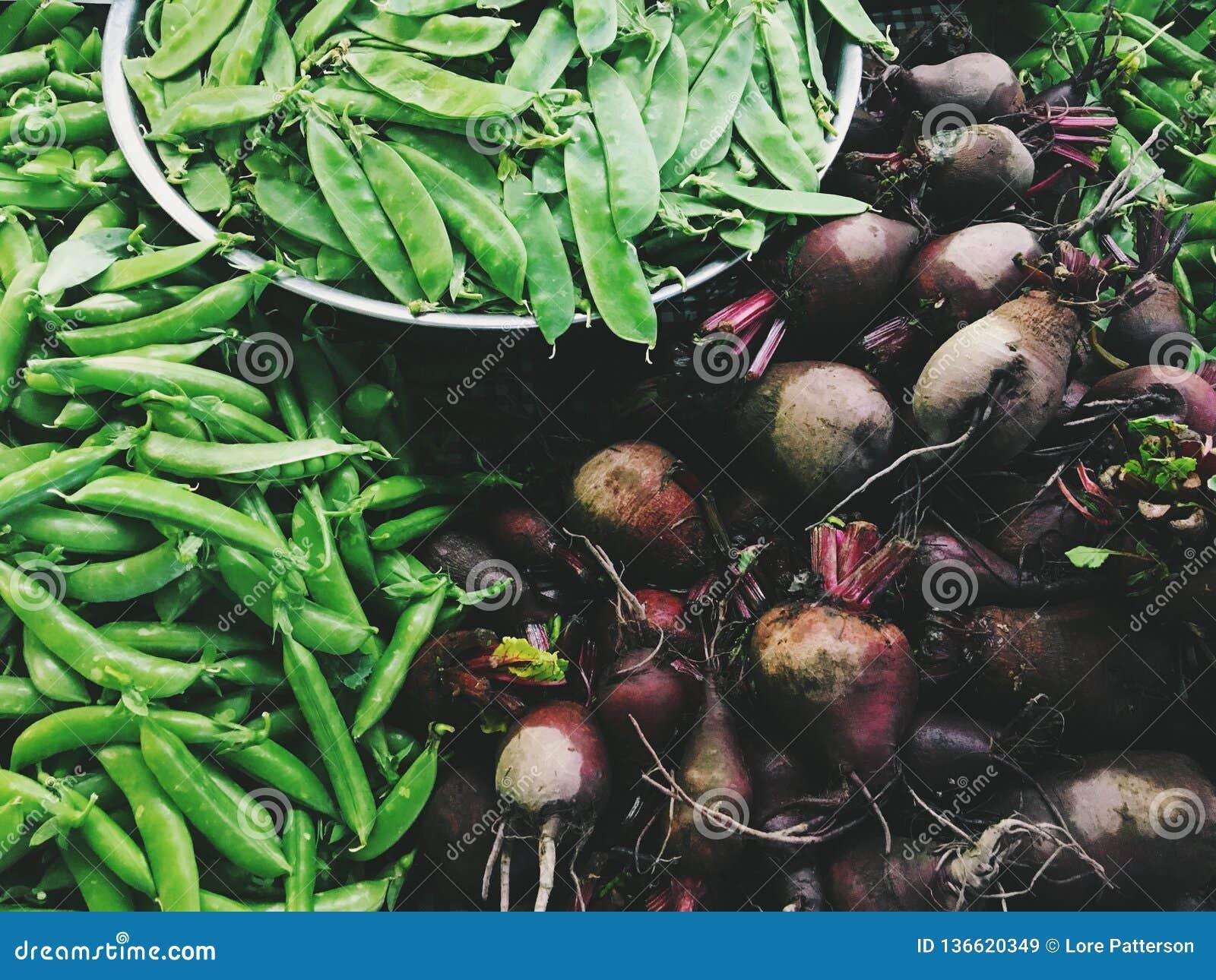 Producción del soporte de la granja - remolachas, Sugar Snaps, guisantes