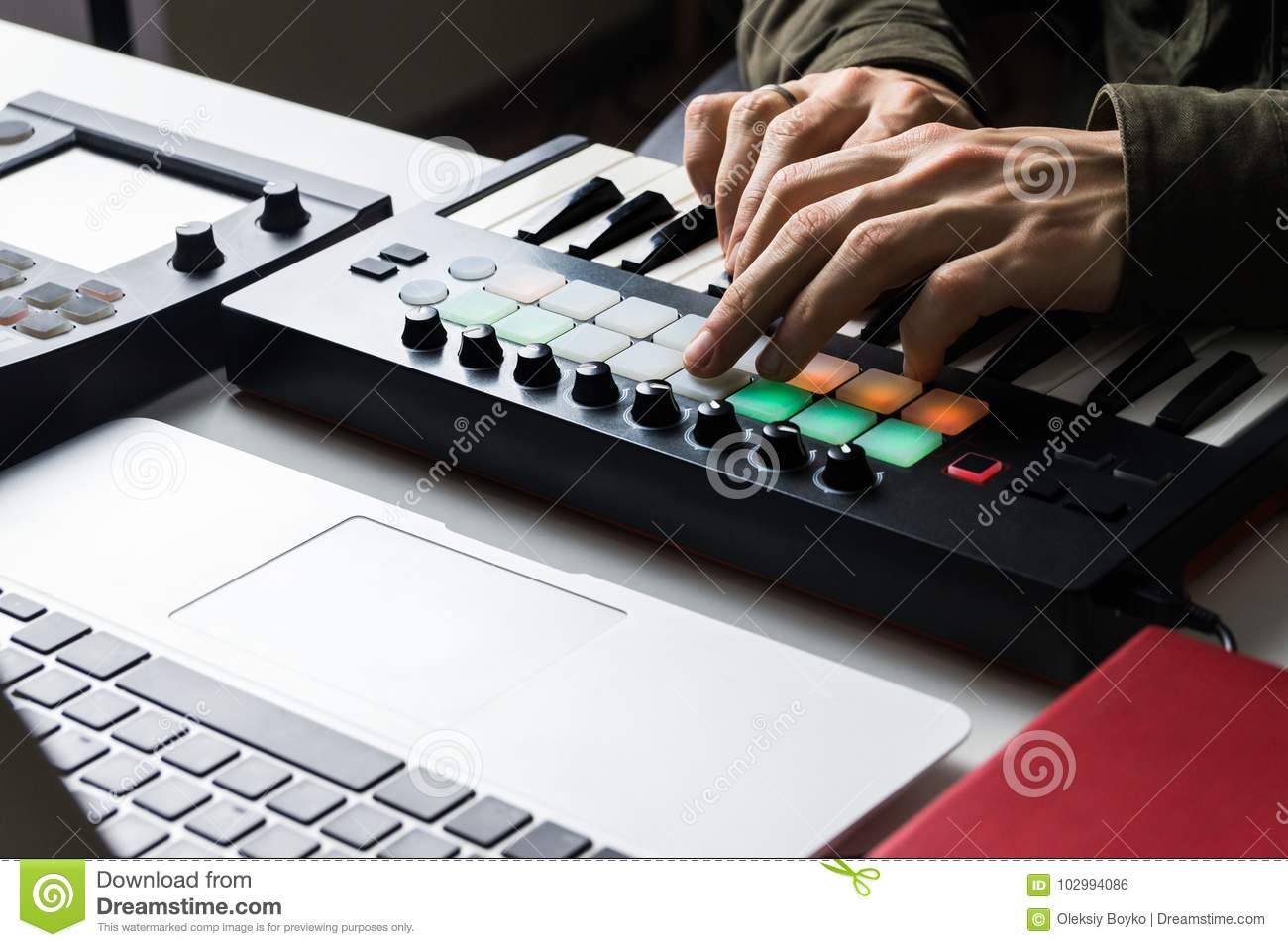 Recording Electronic Music Track With Portable Midi Keyboard