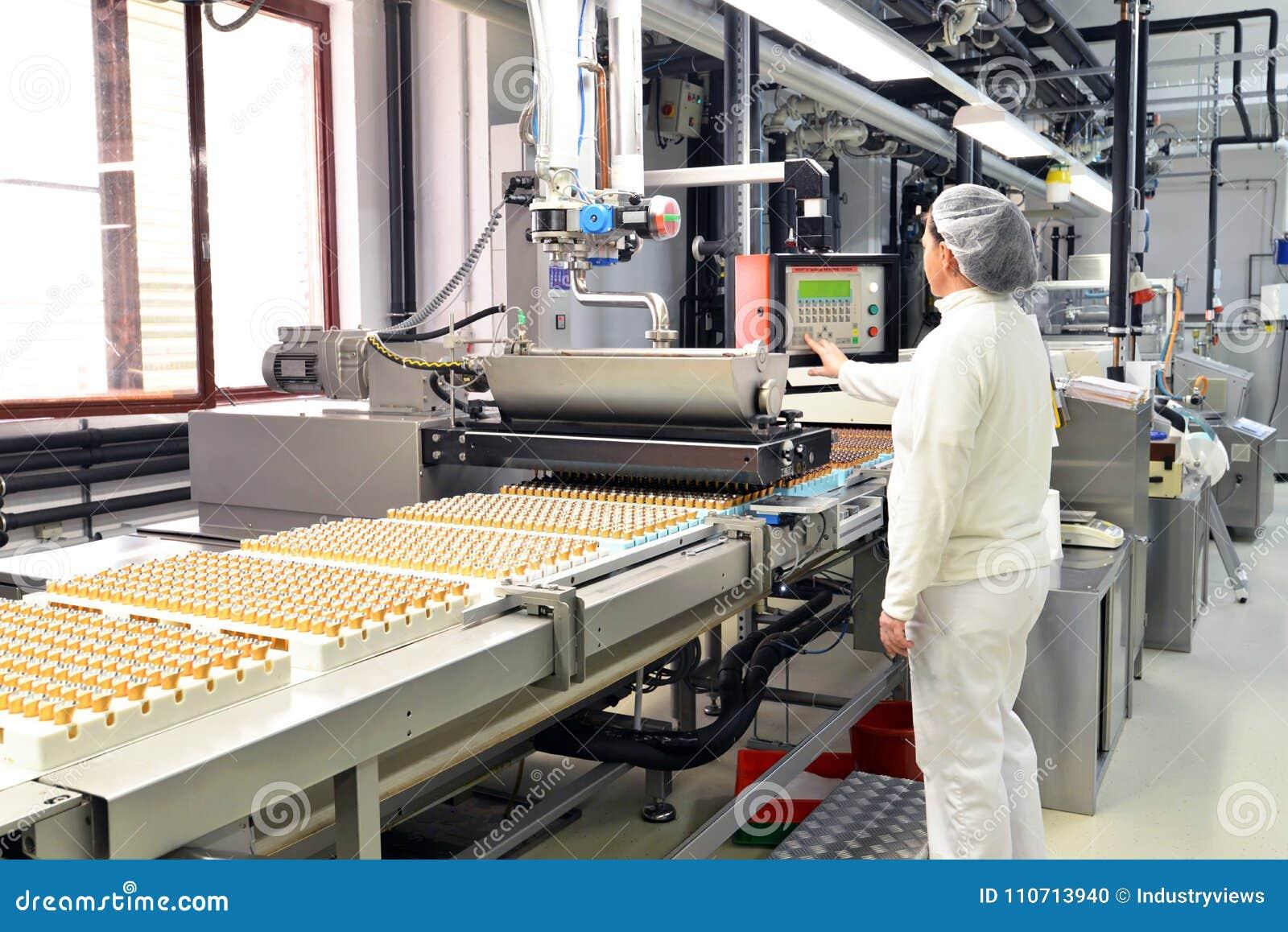Productie van pralines in een fabriek voor de voedselindustrie - conv