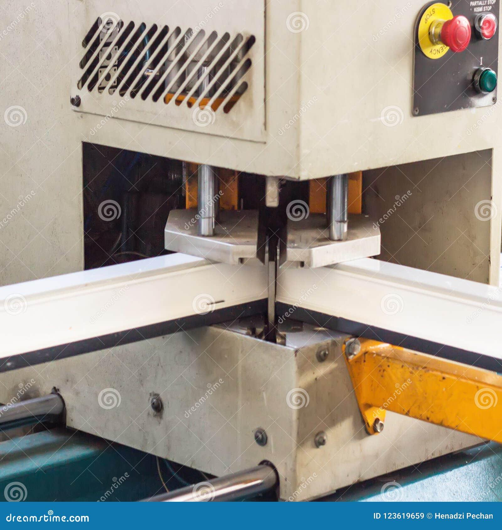 Ventanas Pvc Stock.Production Of Pvc Windows Gluing Of Plastic Corners Of