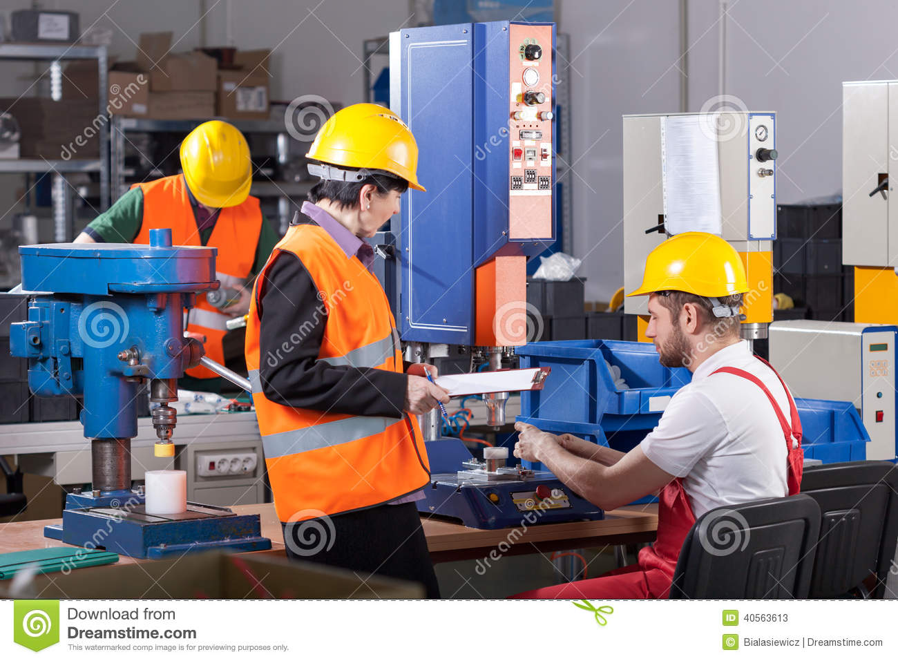 Production Worker With Boss Photo Image 40563613 – Production Worker