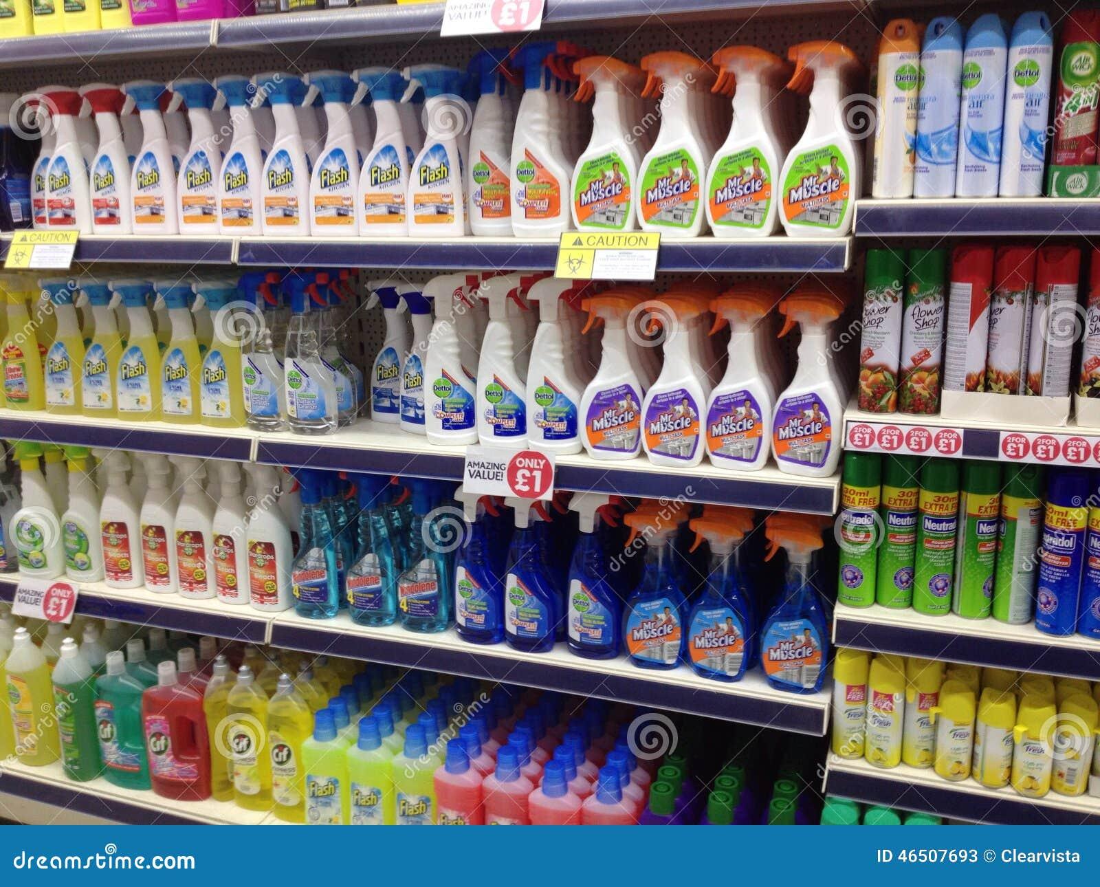Productos de limpieza del hogar para la venta en una for Articulos originales para el hogar