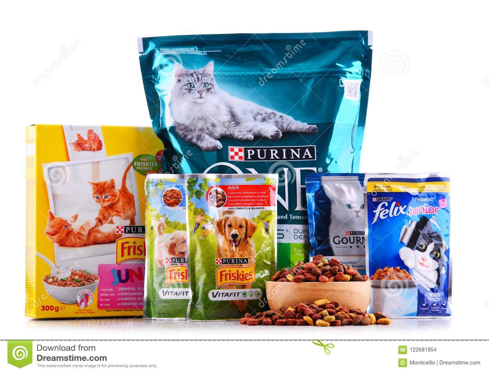 produits d 39 aliment pour animaux familiers de purina image stock ditorial image du purina. Black Bedroom Furniture Sets. Home Design Ideas