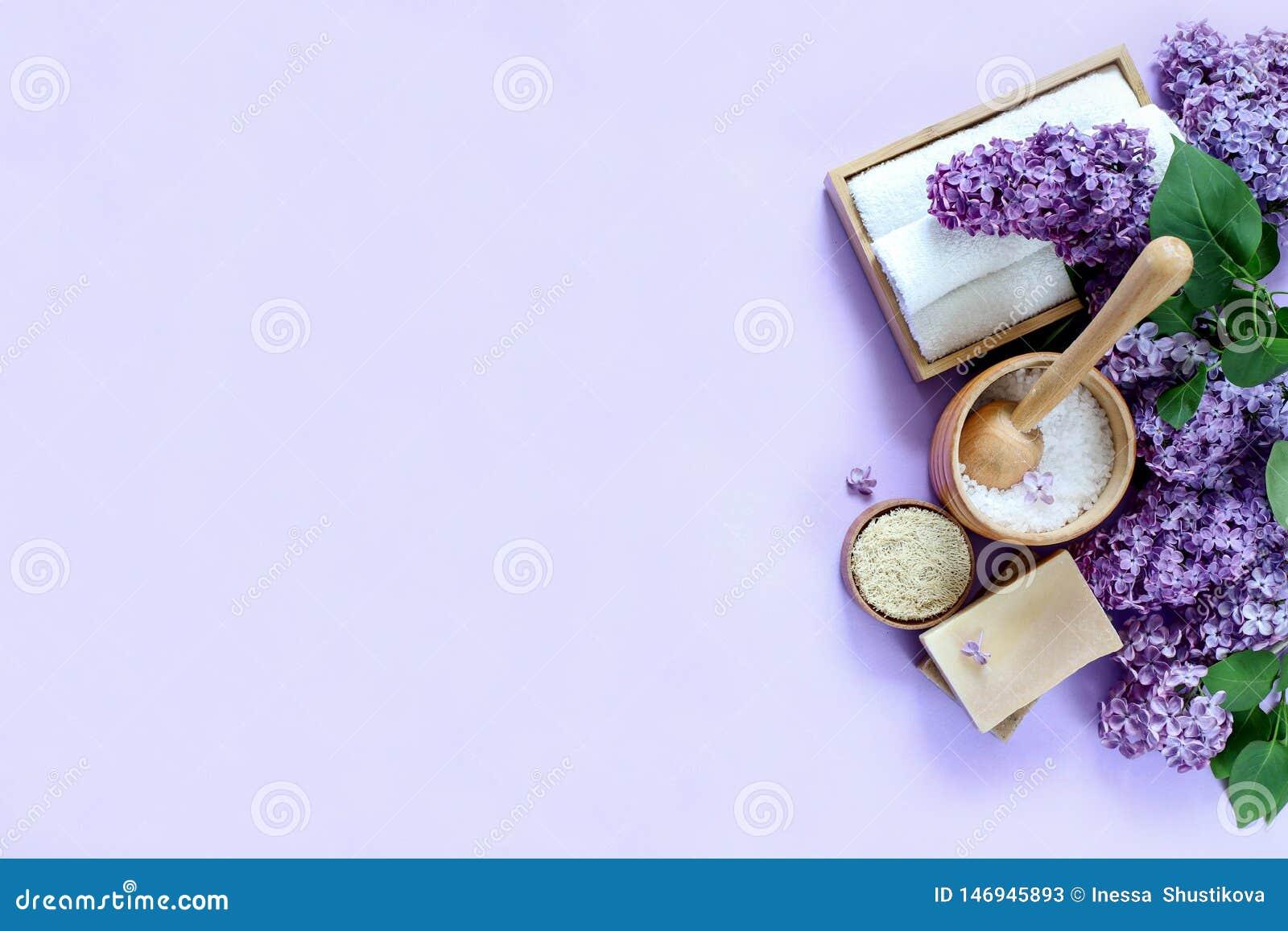 Produits de station thermale et de massage avec le lilas