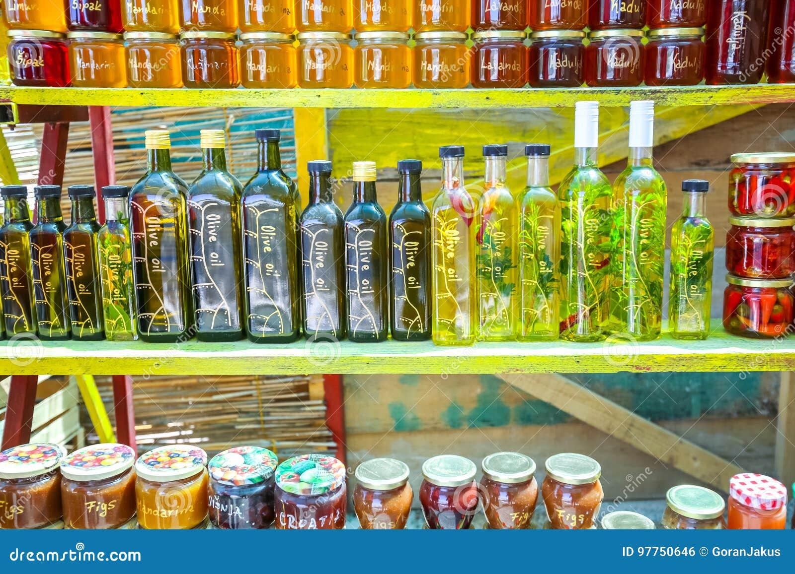 Produits Faits Maison Au Stand De Nourriture Photo Stock Image Du Stand Maison 97750646