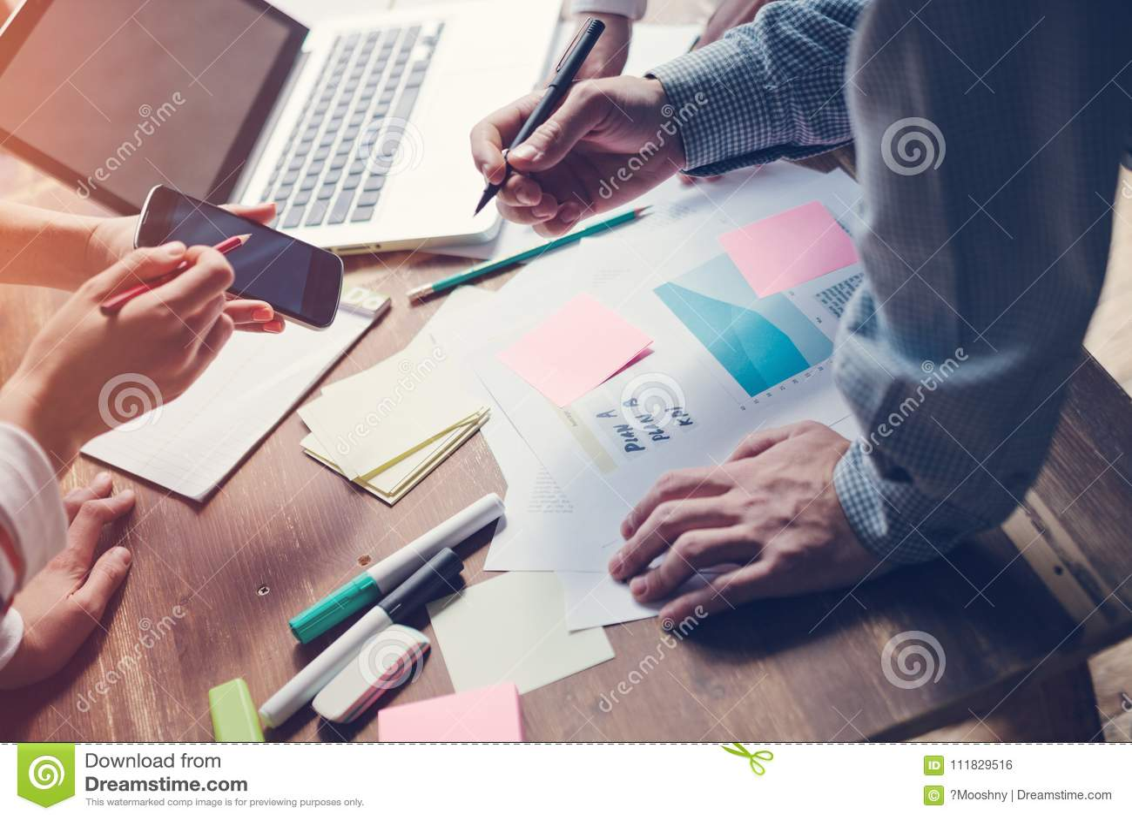 Produktu spotkanie Nowy strategii marketingowej rozwijać Rozpoczęcie w biurze