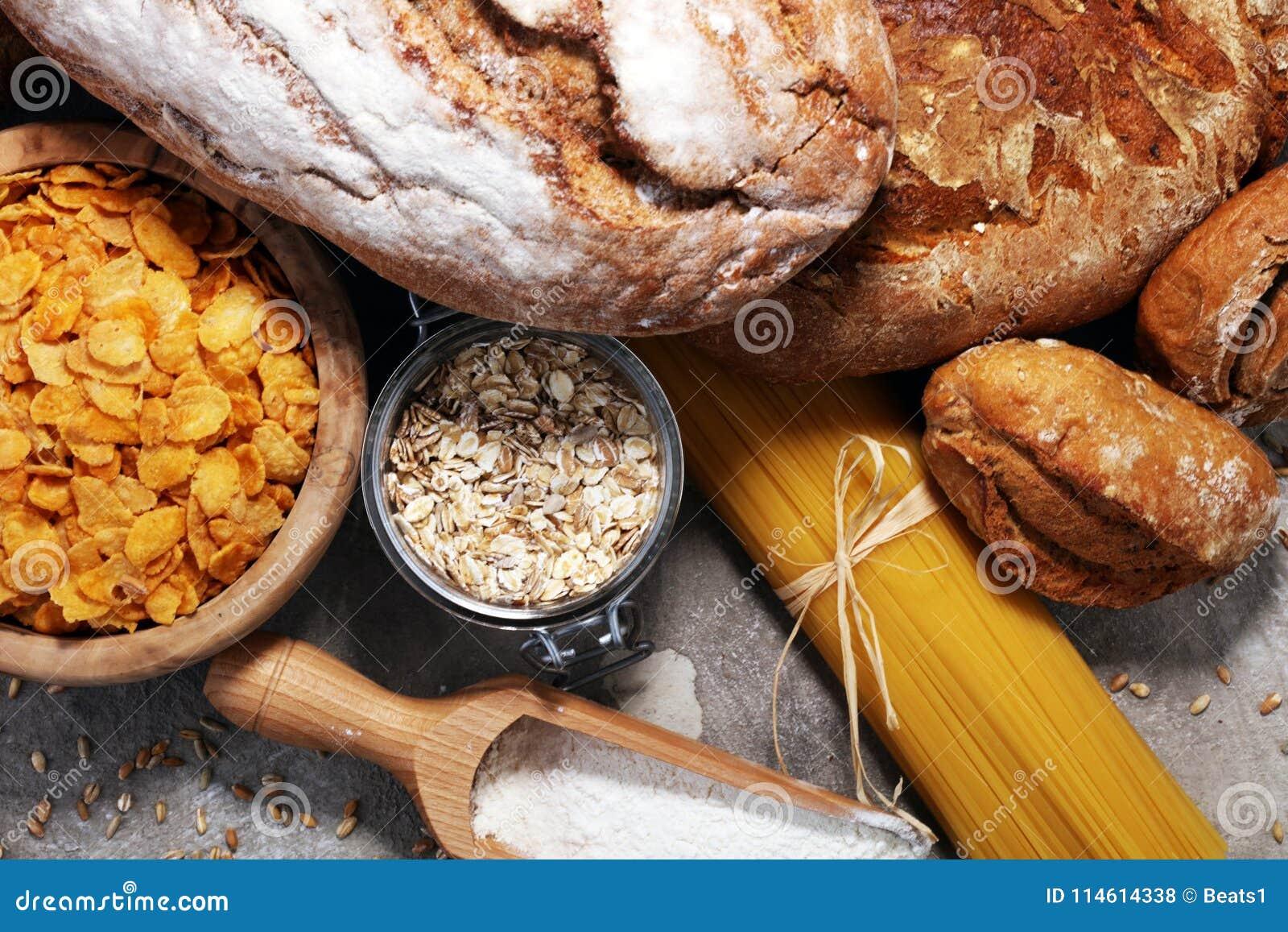 Produtos inteiros da grão com hidratos de carbono complexos